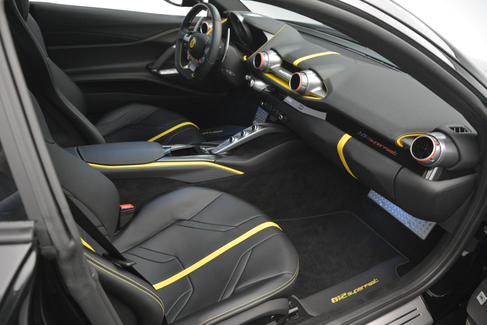 Used 2019 Ferrari 812 Superfast  For Sale In Westport, CT 3200_p19