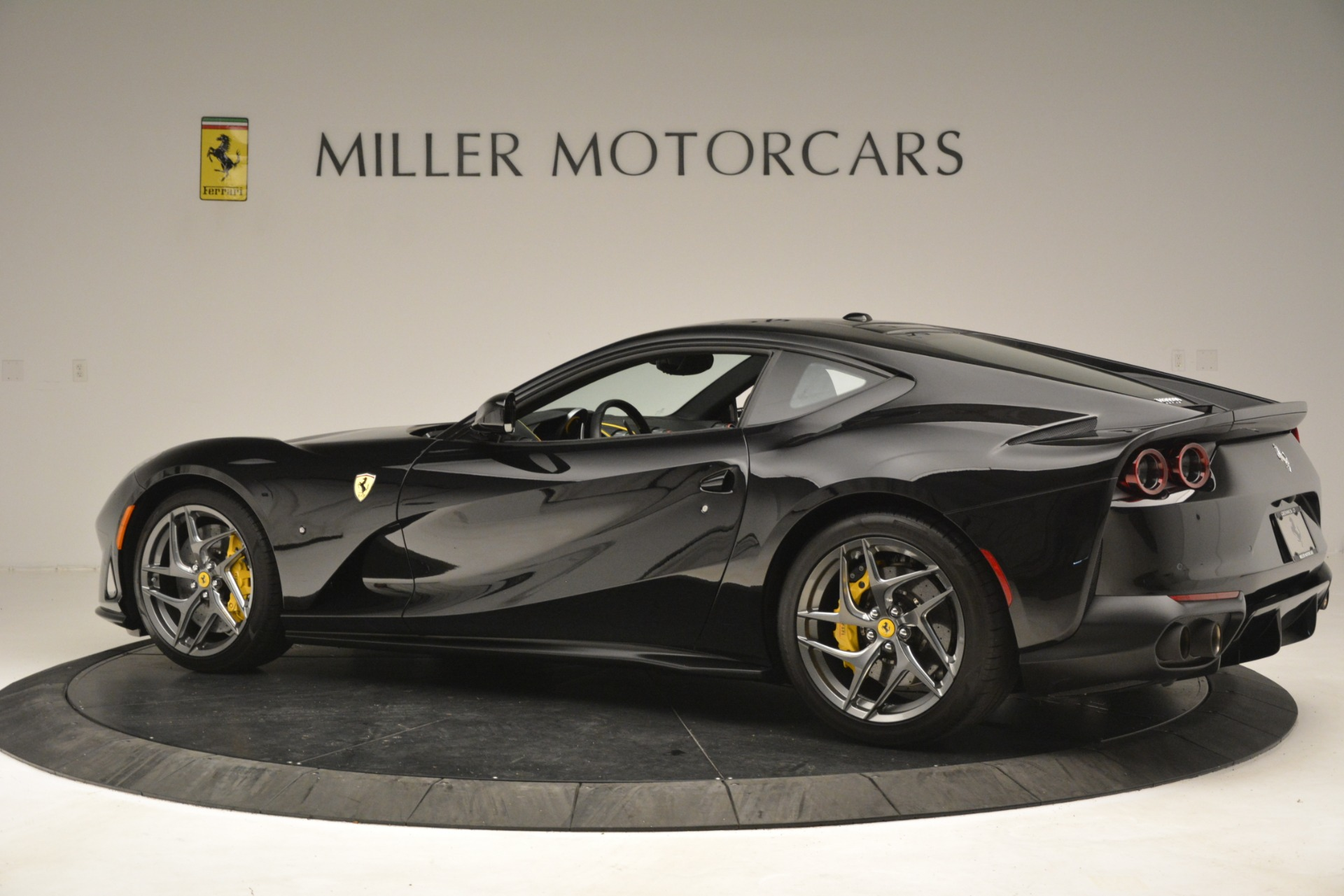 Used 2019 Ferrari 812 Superfast  For Sale In Westport, CT 3200_p4