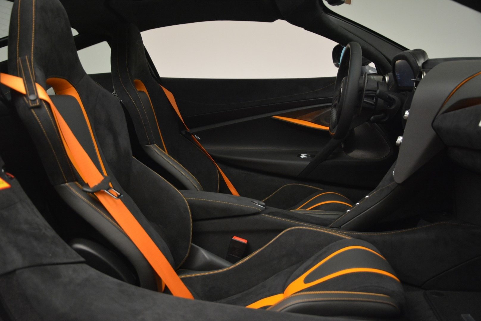 Used 2018 McLaren 720S Coupe For Sale In Westport, CT 3205_p19