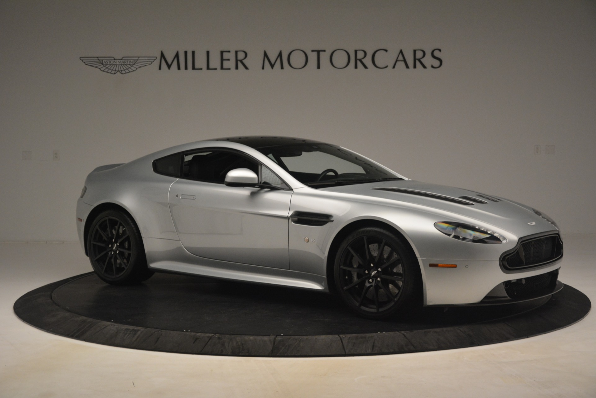 Used 2015 Aston Martin V12 Vantage S Coupe For Sale In Westport, CT 3206_p10