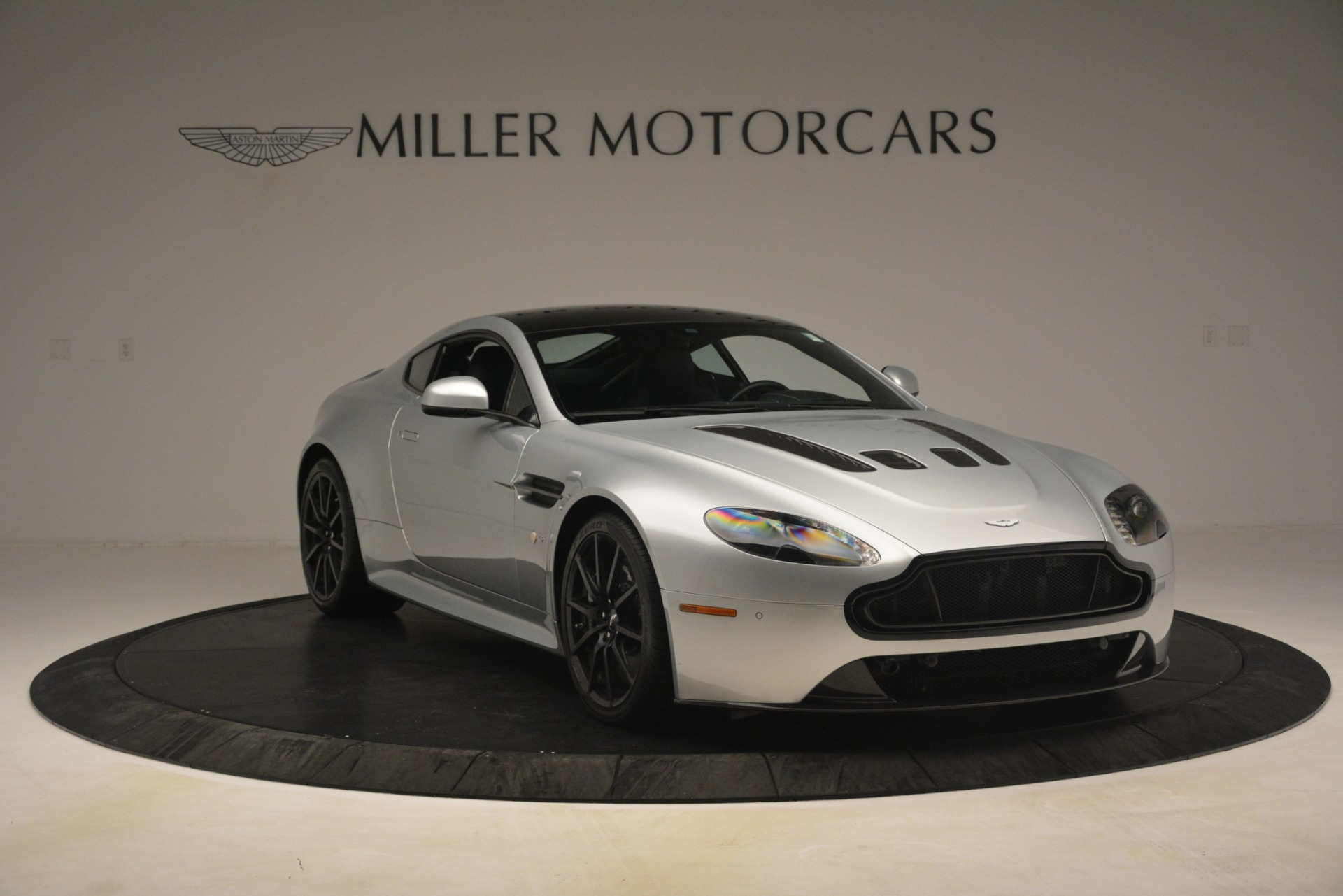 Used 2015 Aston Martin V12 Vantage S Coupe For Sale In Westport, CT 3206_p11