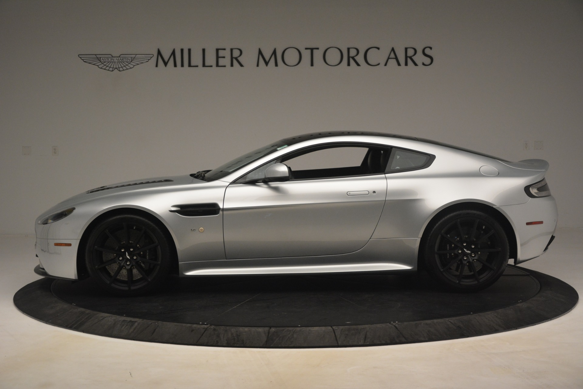 Used 2015 Aston Martin V12 Vantage S Coupe For Sale In Westport, CT 3206_p3