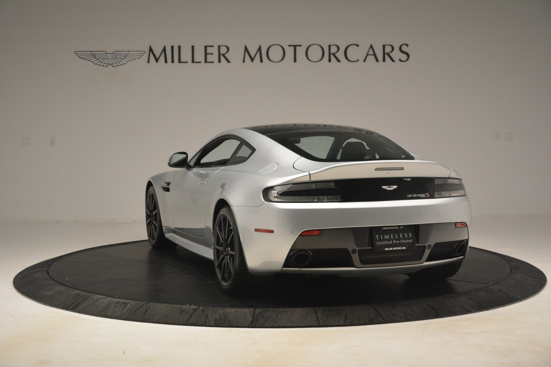 Used 2015 Aston Martin V12 Vantage S Coupe For Sale In Westport, CT 3206_p5