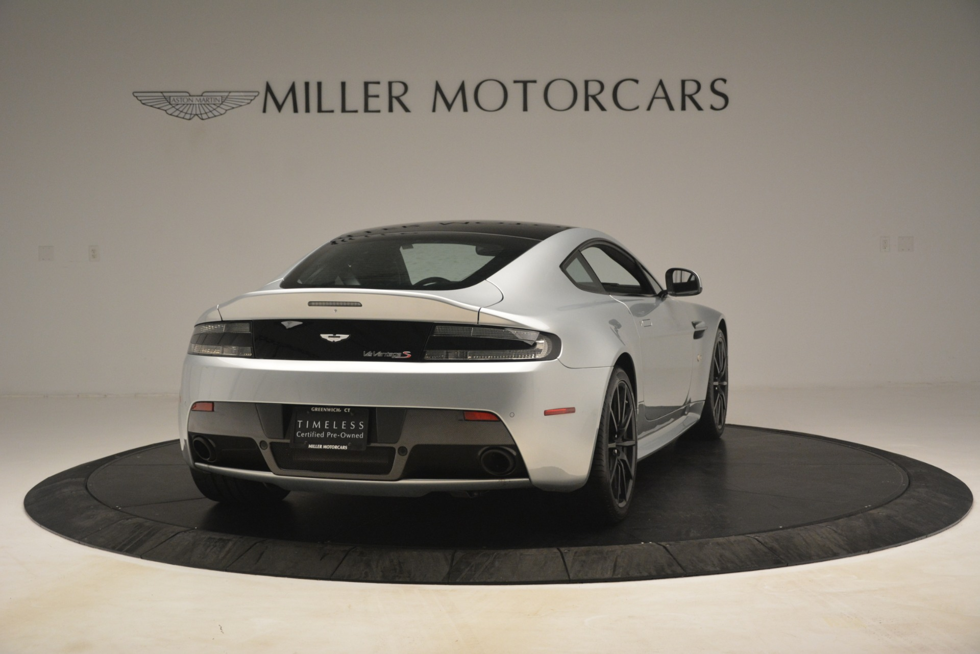 Used 2015 Aston Martin V12 Vantage S Coupe For Sale In Westport, CT 3206_p7