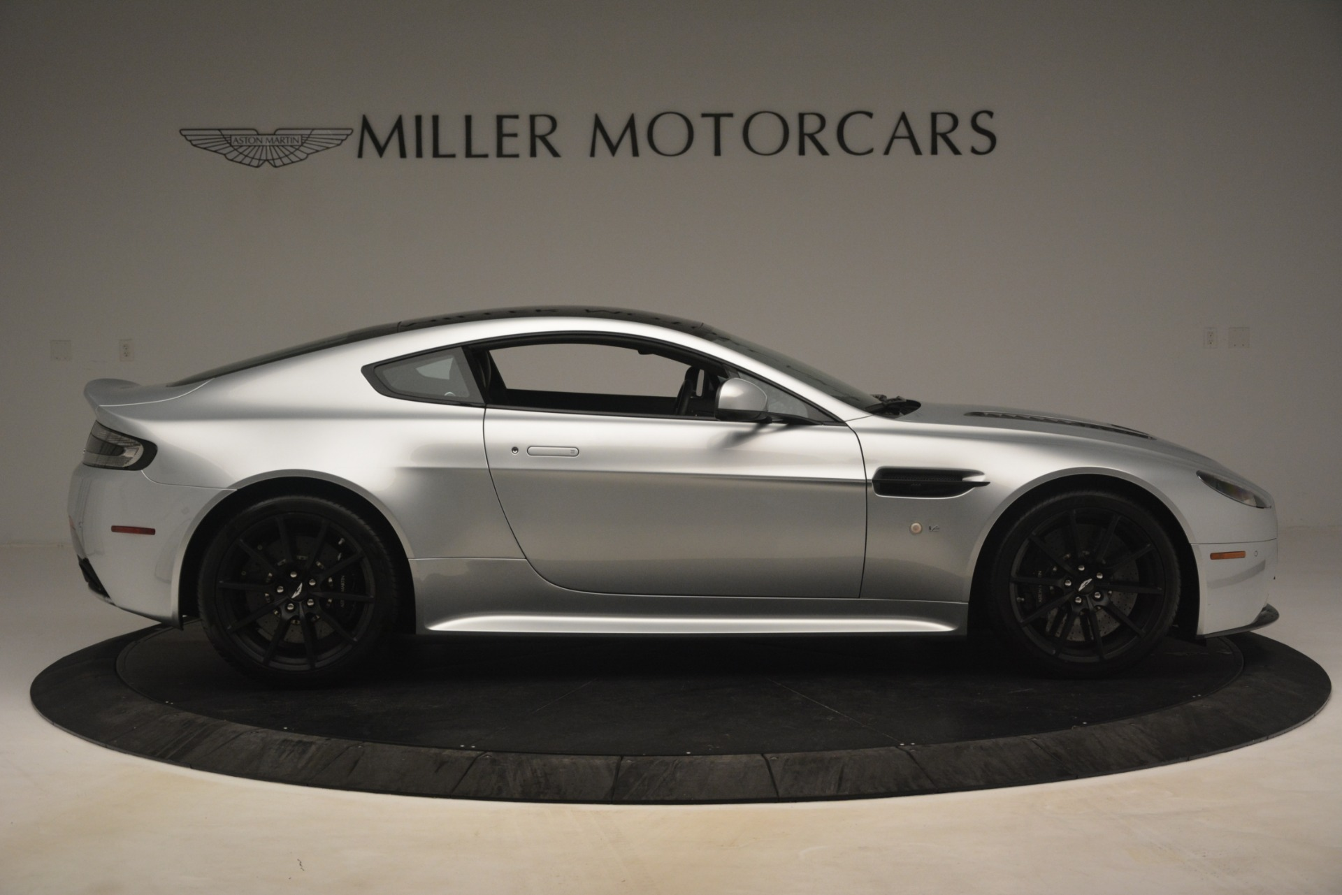 Used 2015 Aston Martin V12 Vantage S Coupe For Sale In Westport, CT 3206_p9