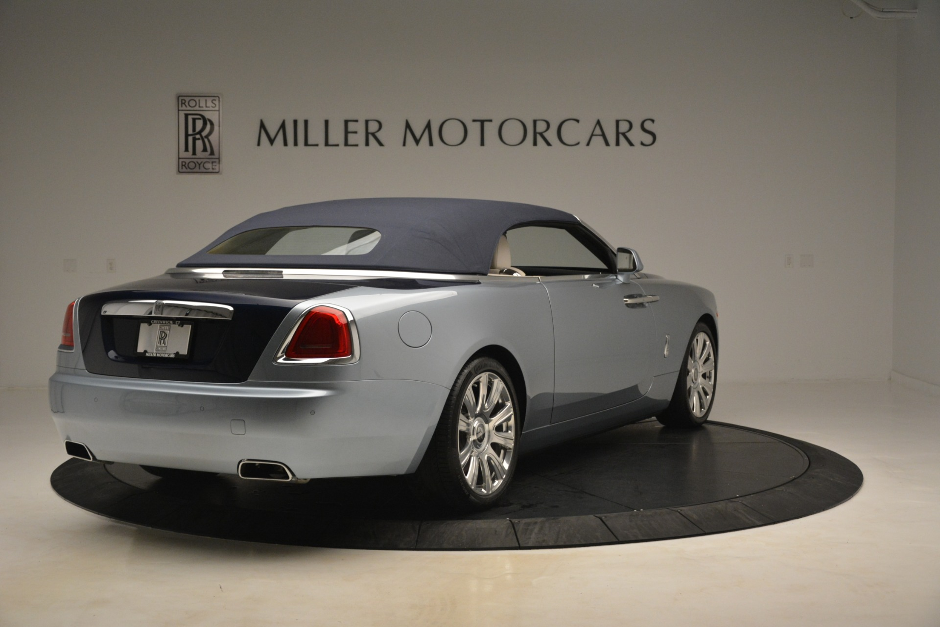 Used 2016 Rolls-Royce Dawn  For Sale In Westport, CT 3217_p14