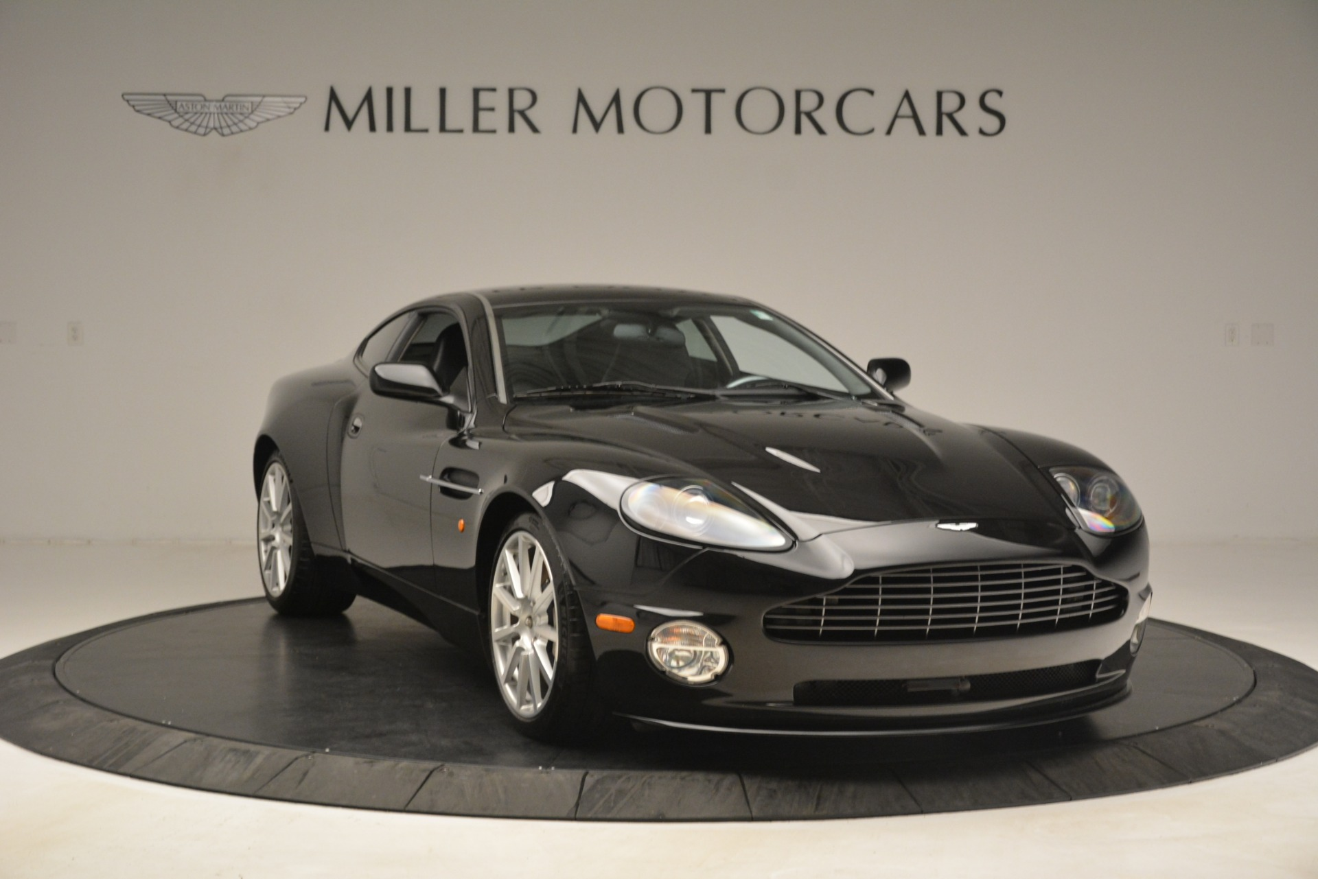 Used 2005 Aston Martin V12 Vanquish S For Sale In Westport, CT 3218_p11