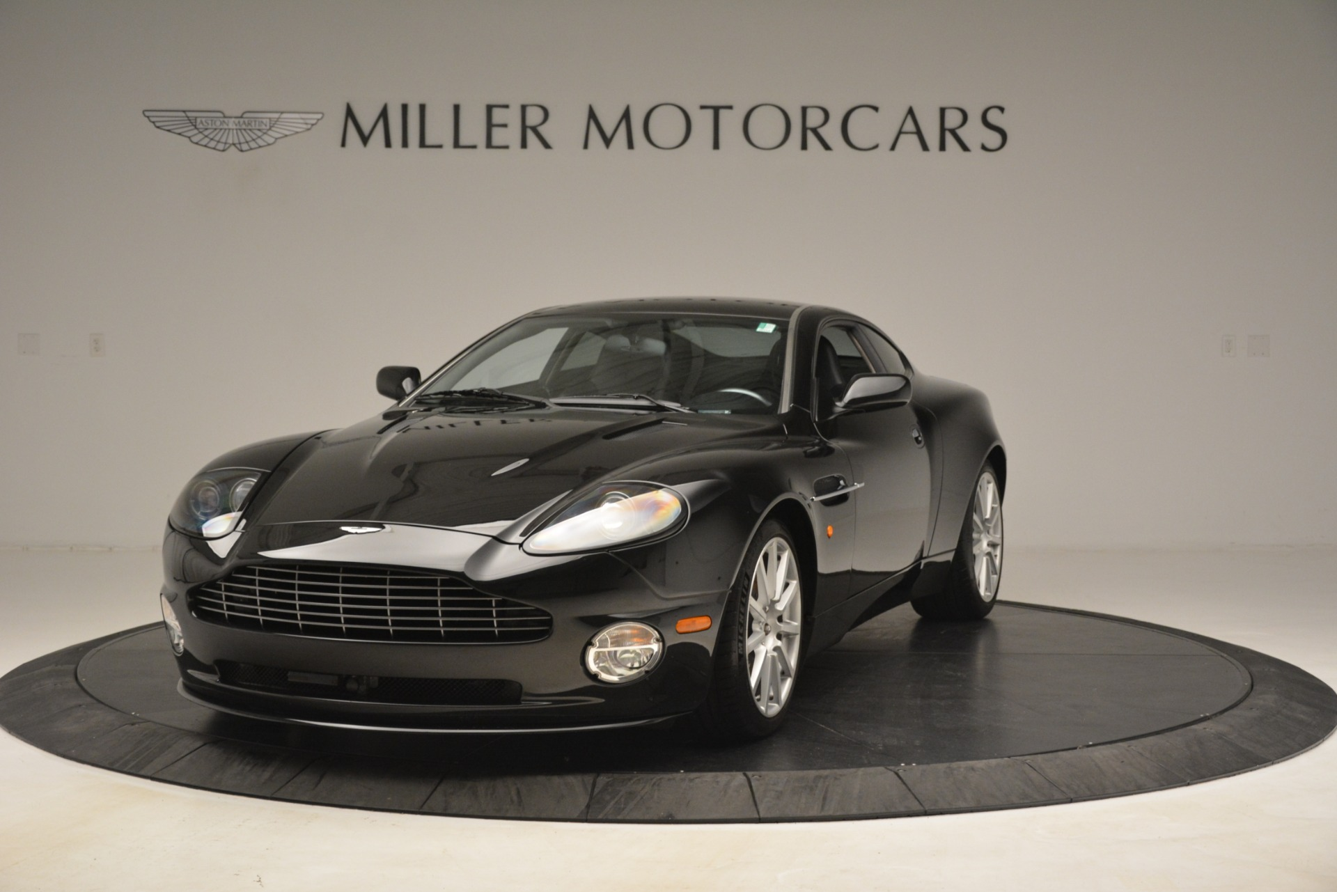 Used 2005 Aston Martin V12 Vanquish S For Sale In Westport, CT 3218_p2