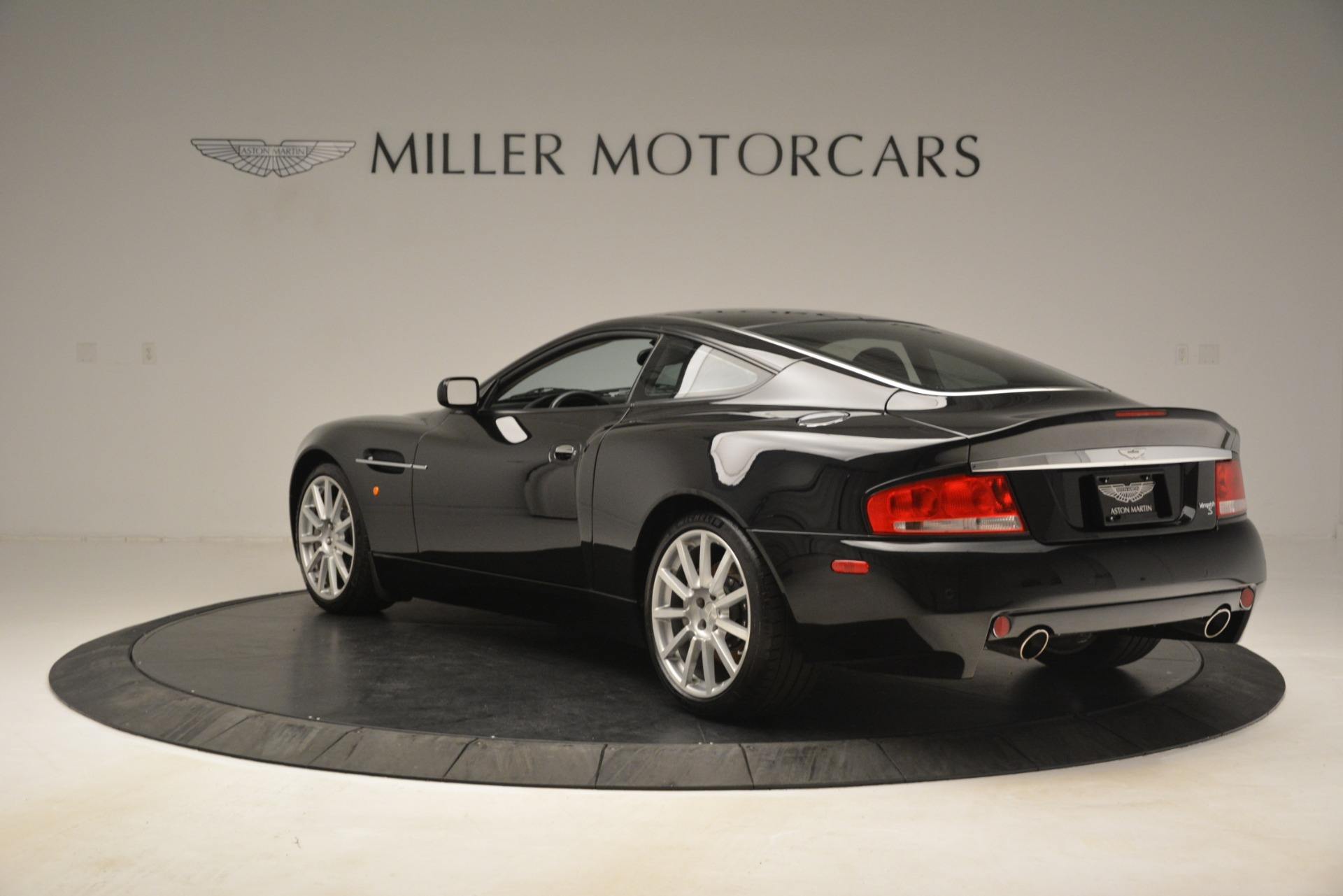 Used 2005 Aston Martin V12 Vanquish S For Sale In Westport, CT 3218_p5
