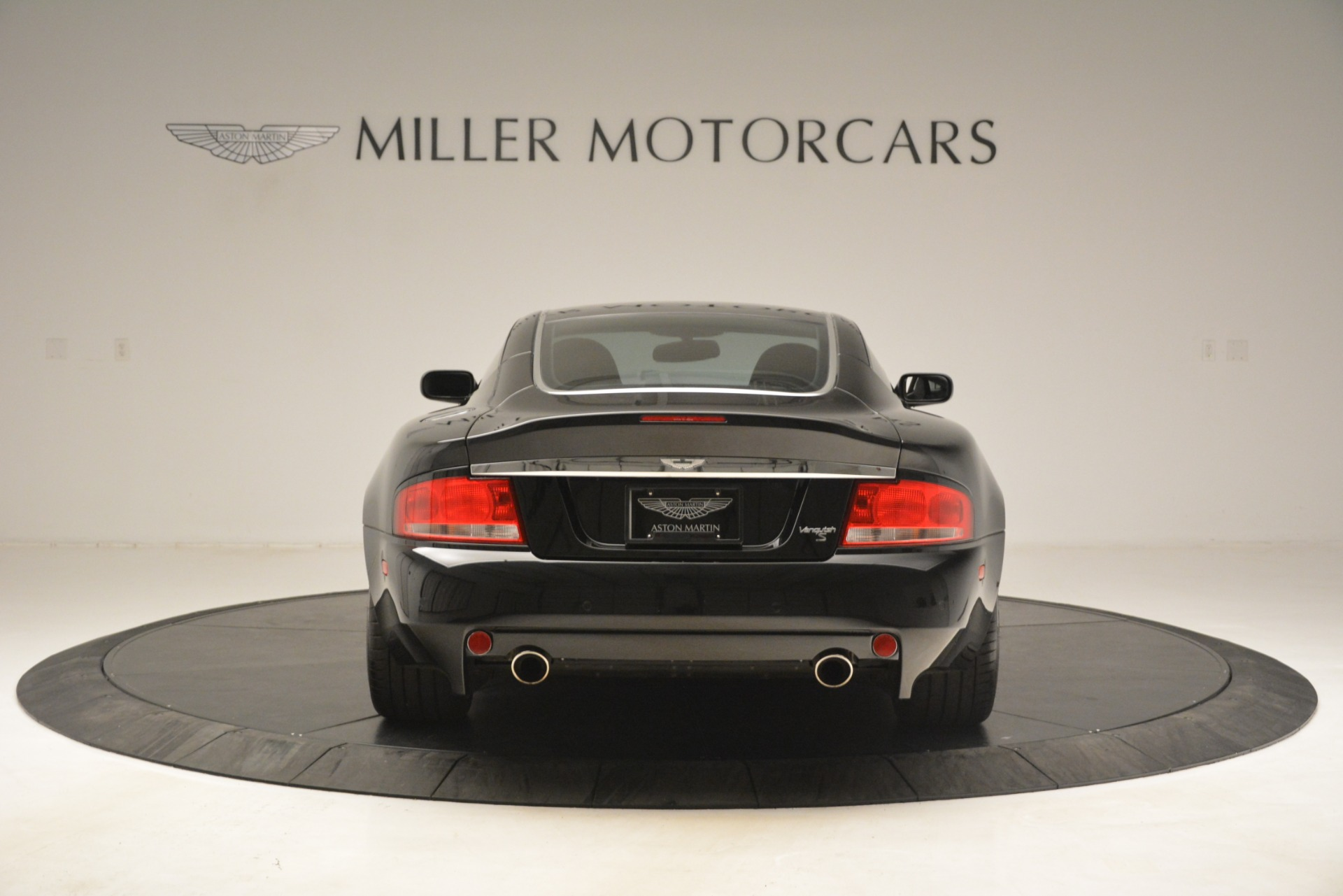Used 2005 Aston Martin V12 Vanquish S For Sale In Westport, CT 3218_p6
