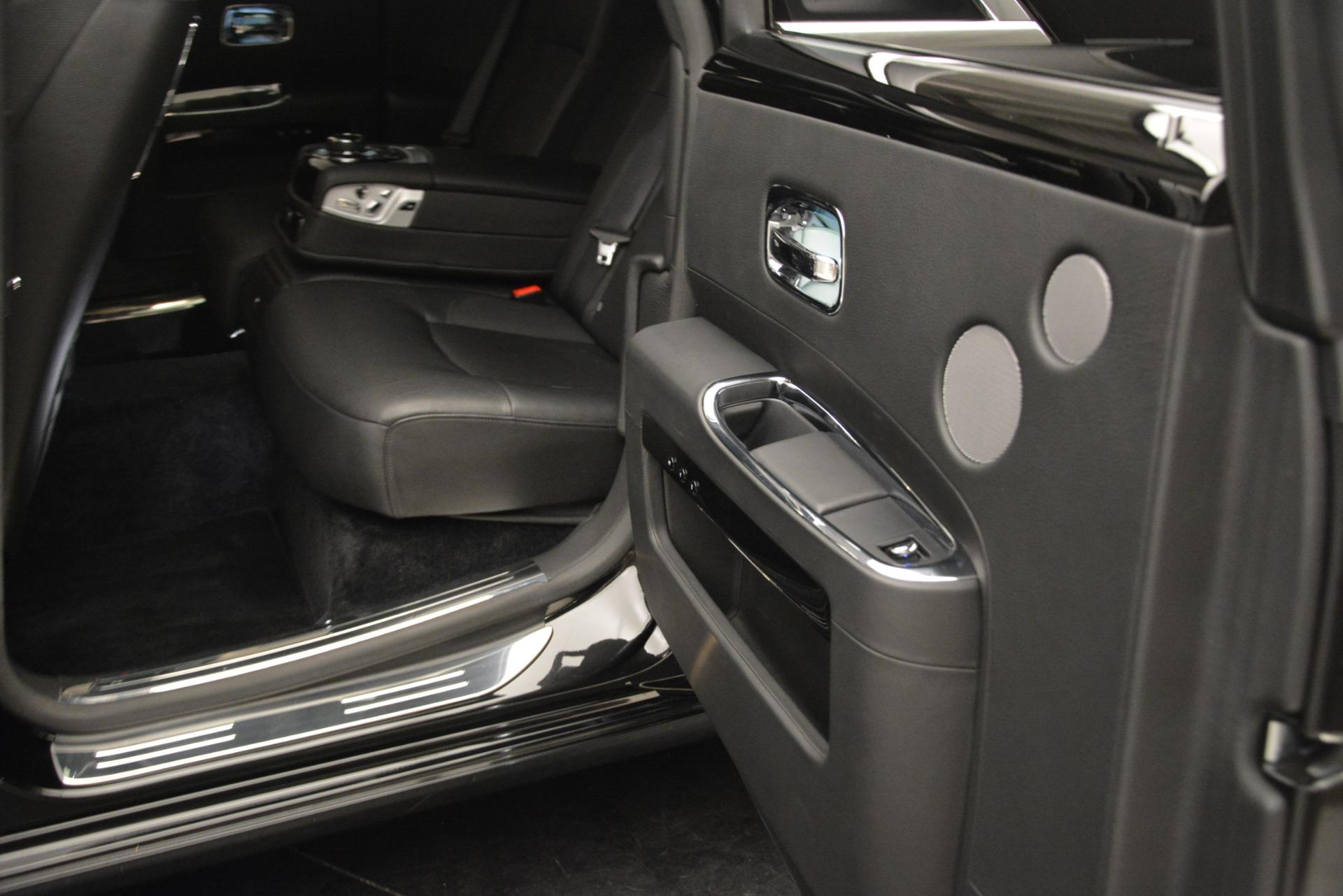 Used 2014 Rolls-Royce Ghost  For Sale In Westport, CT 3220_p17