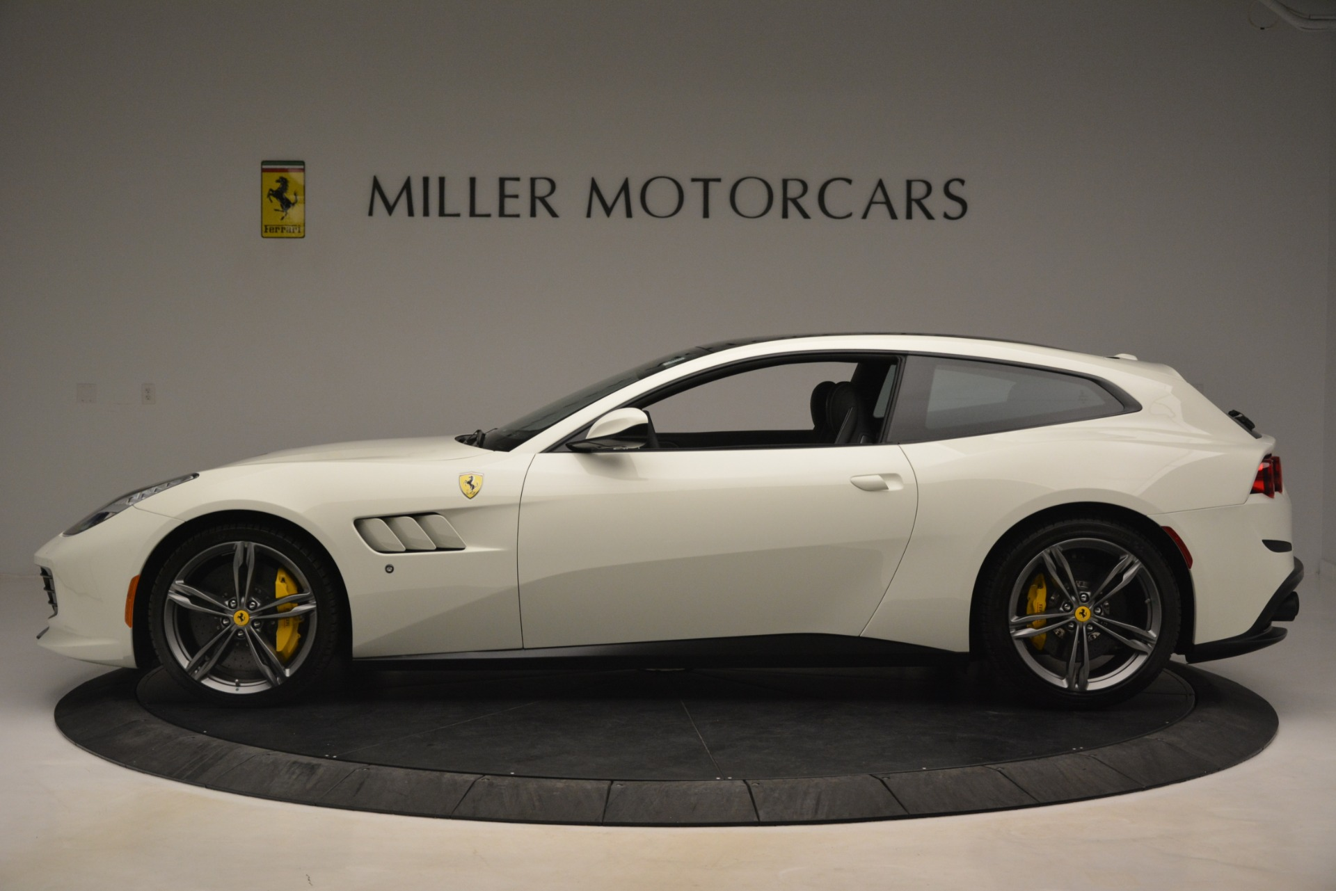 Used 2018 Ferrari GTC4Lusso  For Sale In Westport, CT 3221_p3