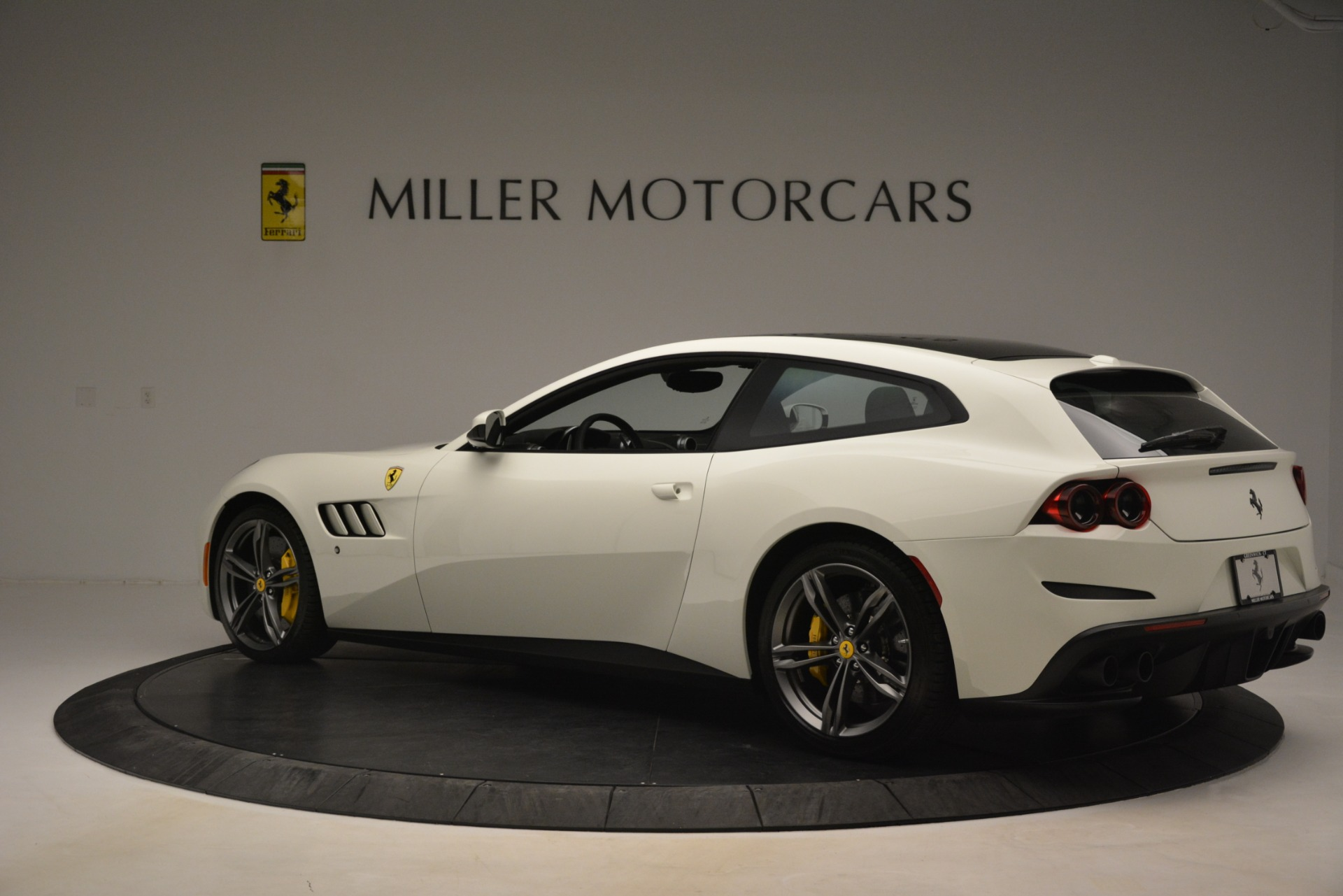 Used 2018 Ferrari GTC4Lusso  For Sale In Westport, CT 3221_p4