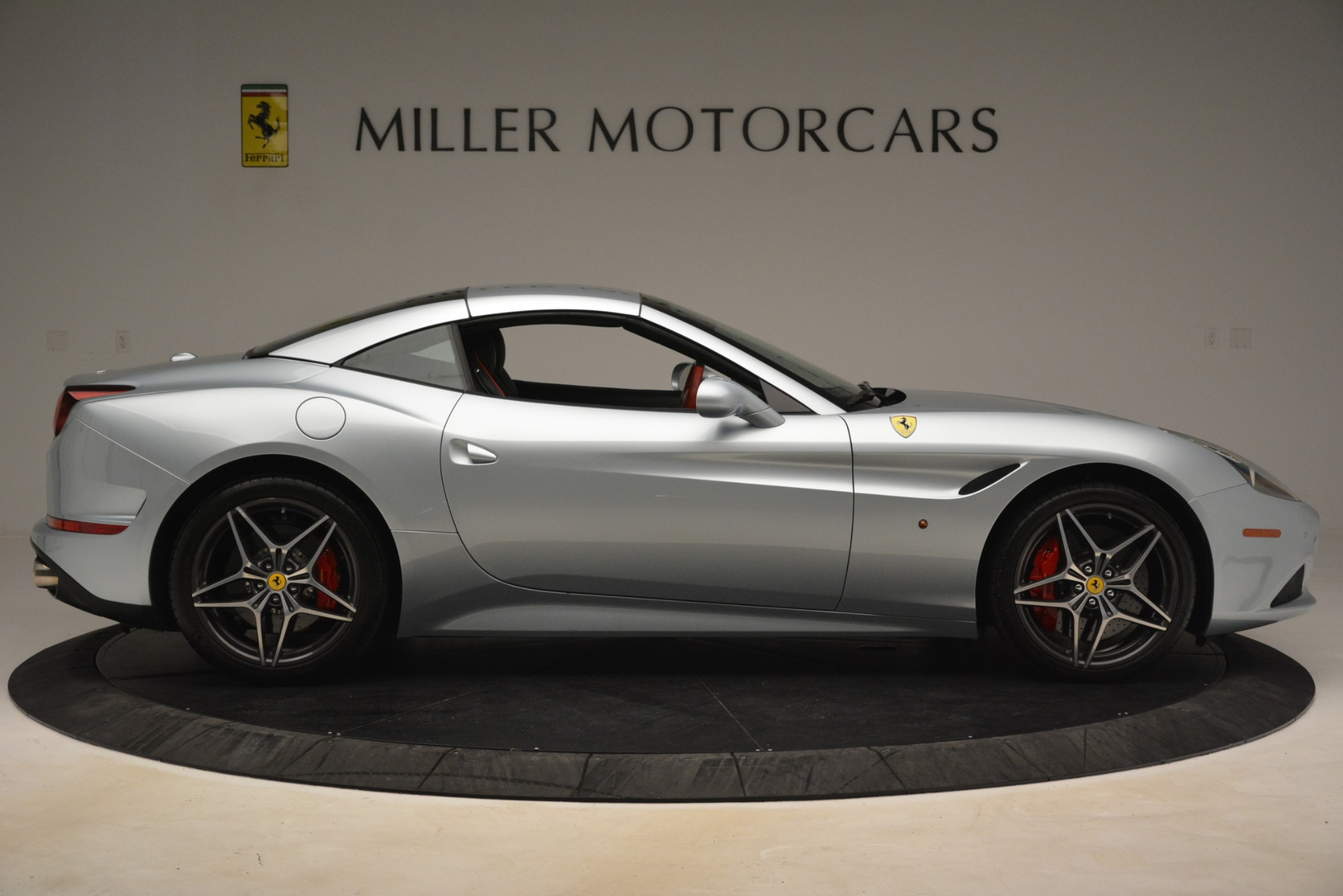 Used 2016 Ferrari California T  For Sale In Westport, CT 3224_p15