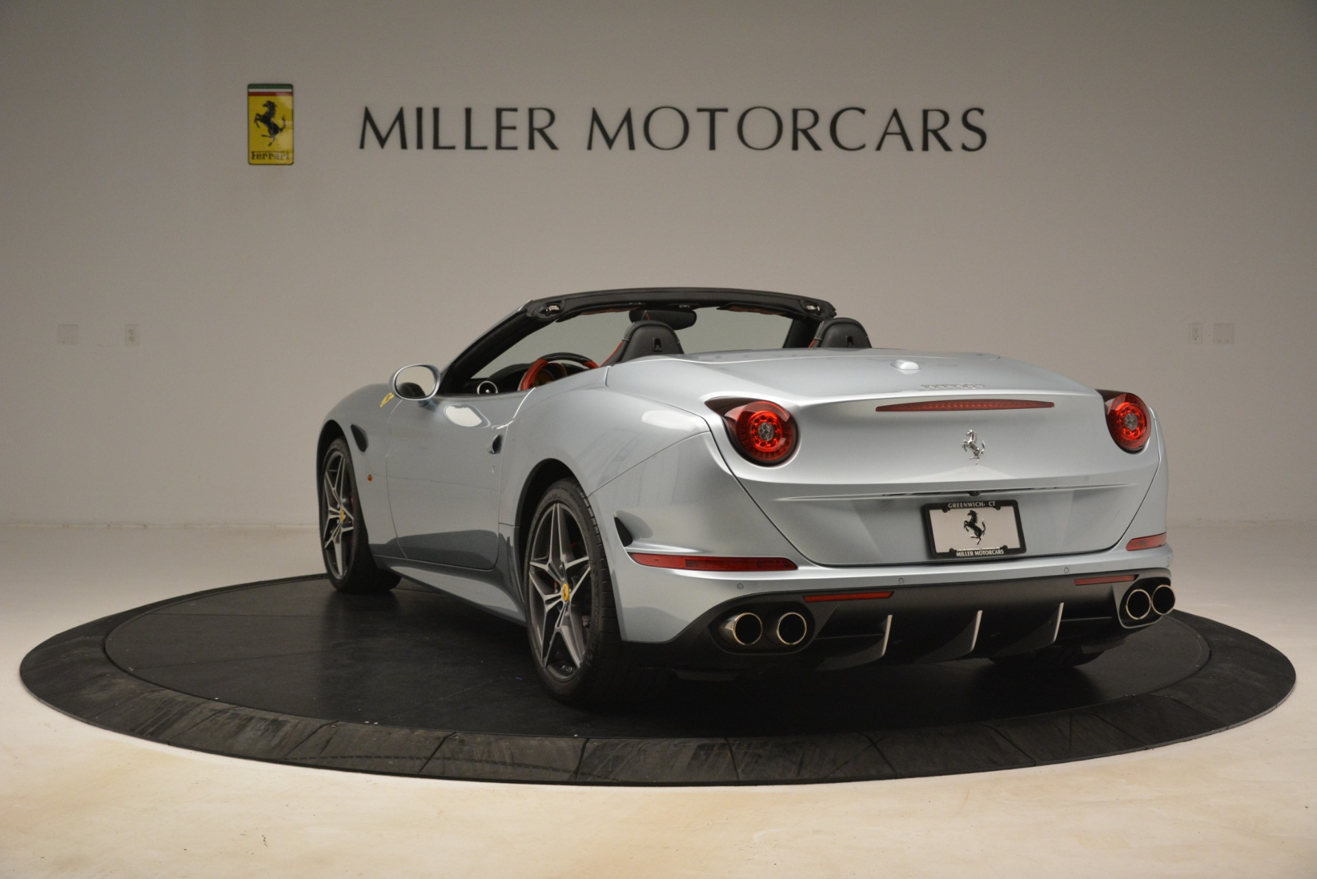 Used 2016 Ferrari California T  For Sale In Westport, CT 3224_p5