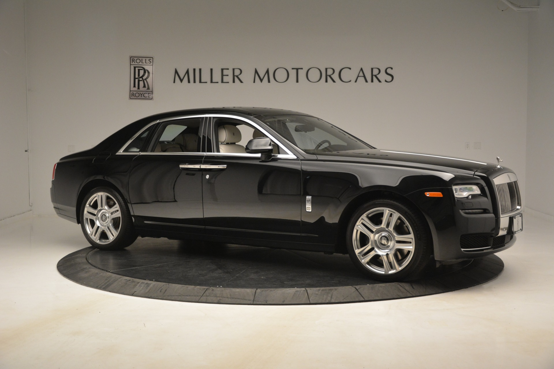 Used 2016 Rolls-Royce Ghost  For Sale In Westport, CT 3225_p11