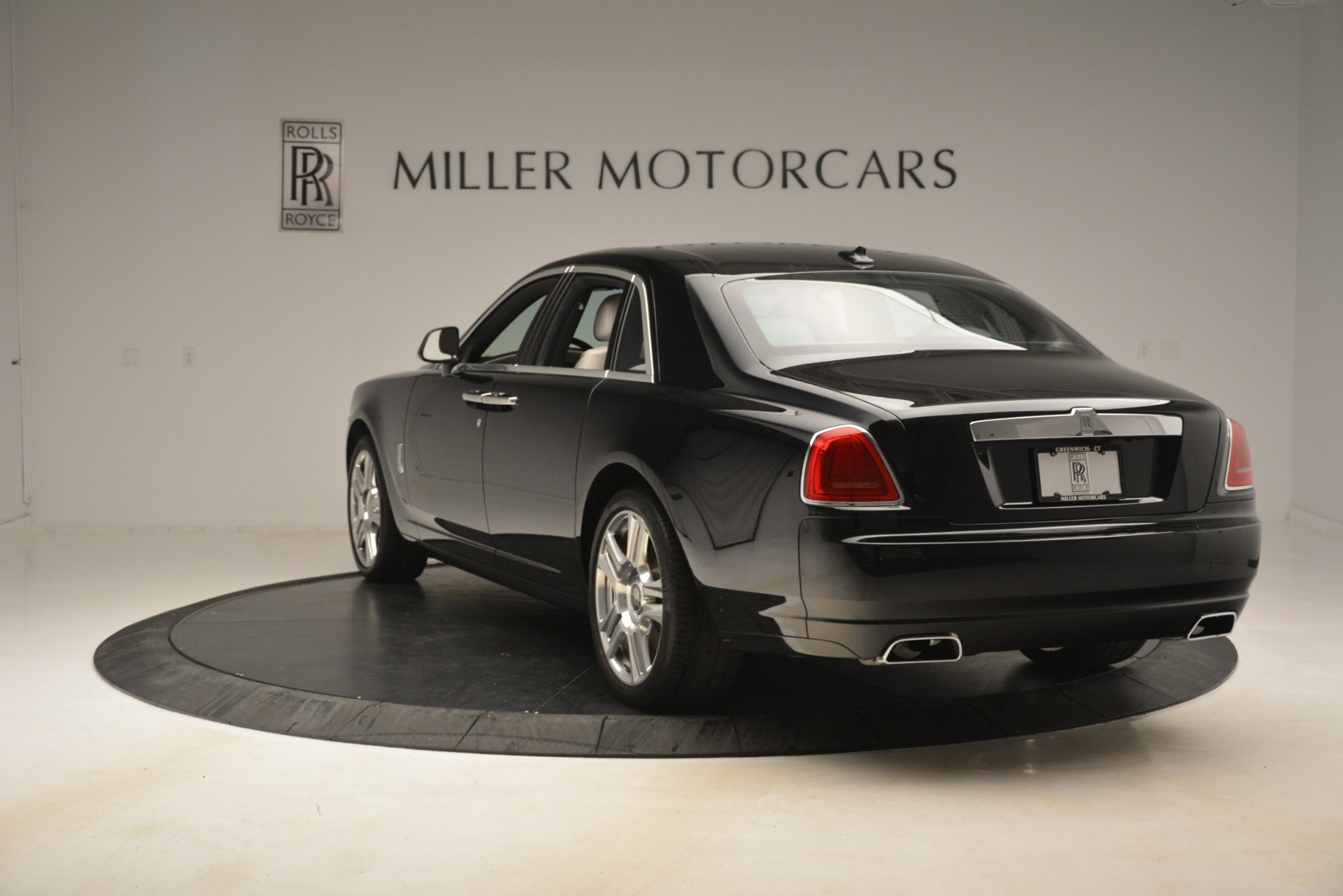 Used 2016 Rolls-Royce Ghost  For Sale In Westport, CT 3225_p6