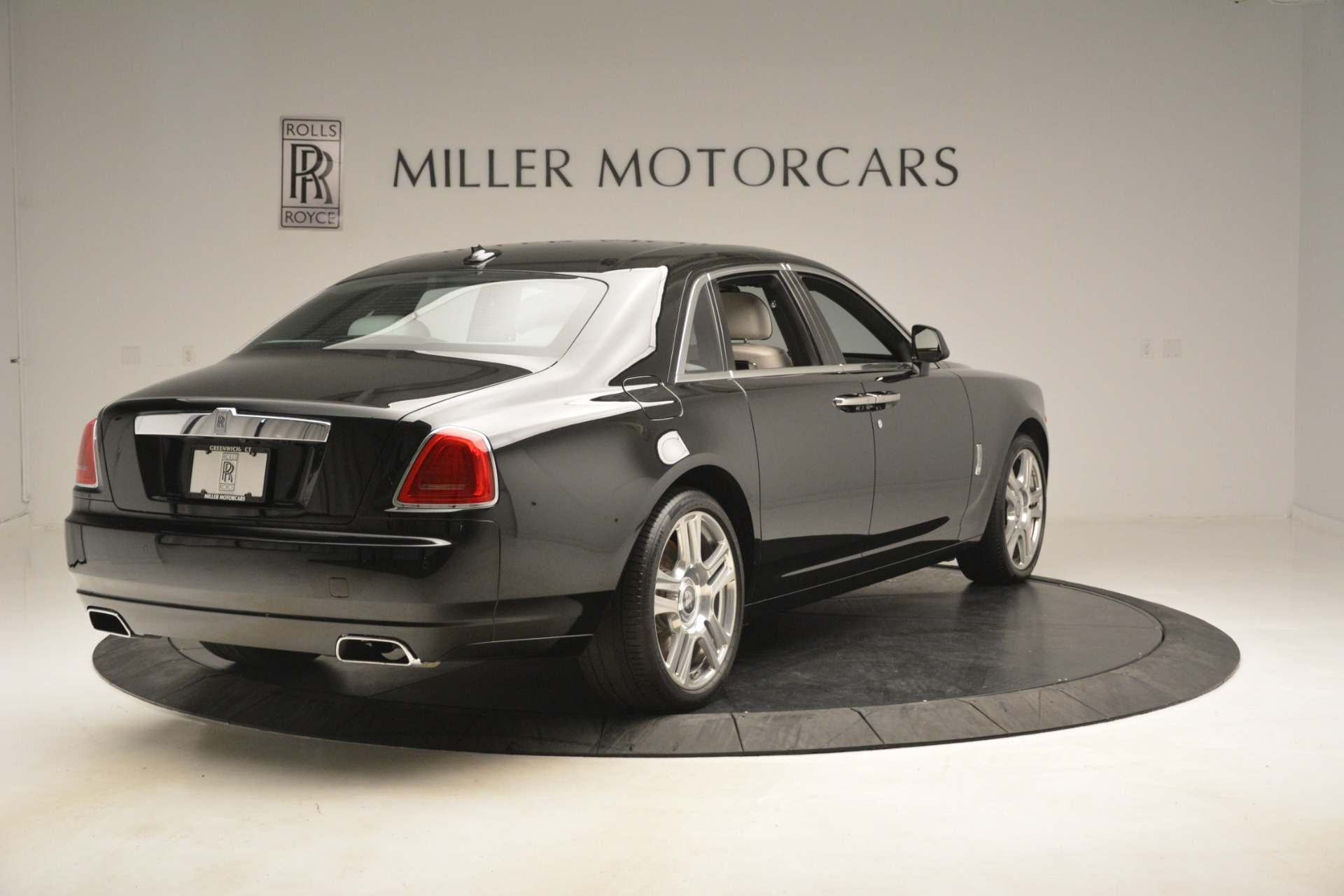 Used 2016 Rolls-Royce Ghost  For Sale In Westport, CT 3225_p8