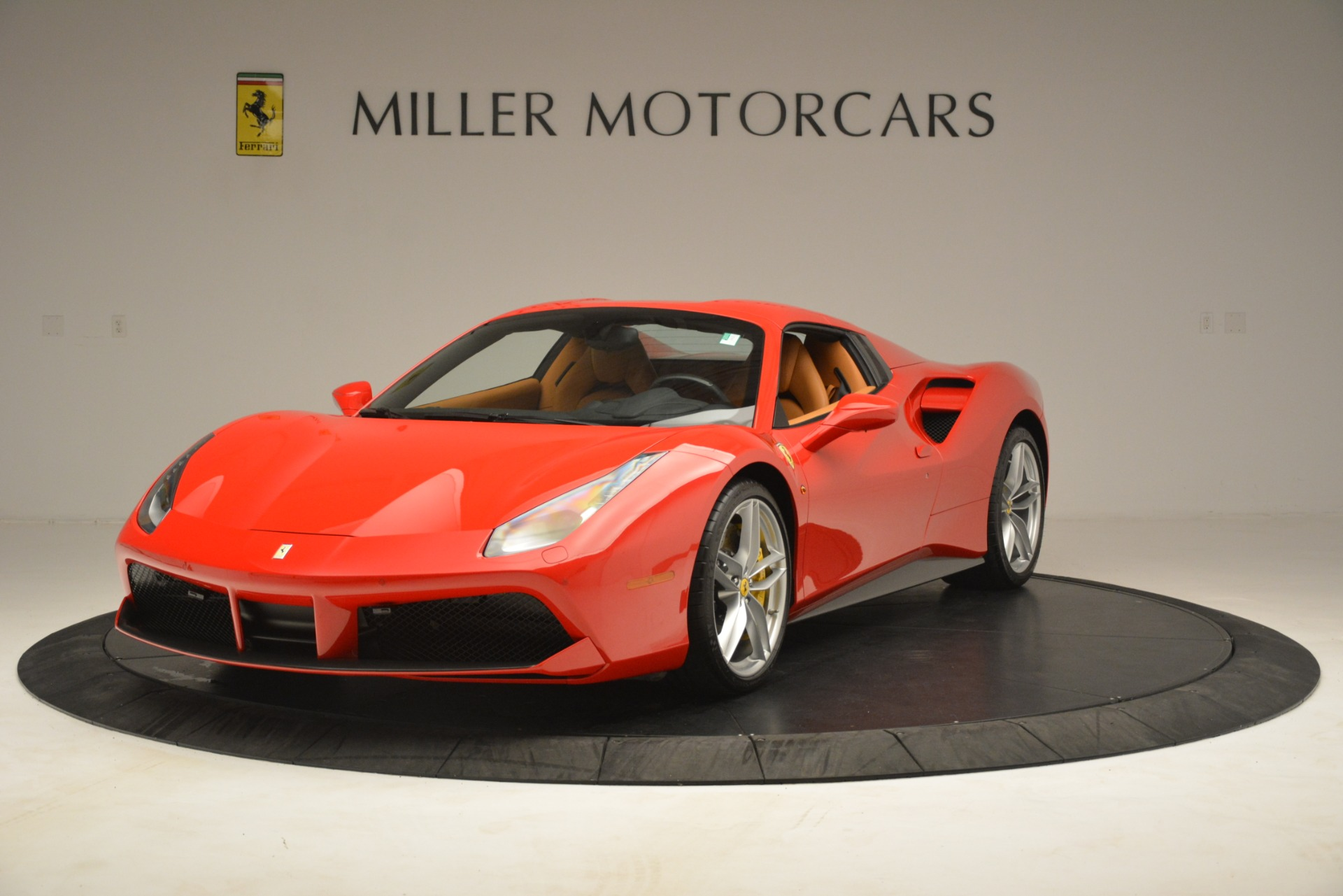 Used 2018 Ferrari 488 Spider  For Sale In Westport, CT 3234_p13