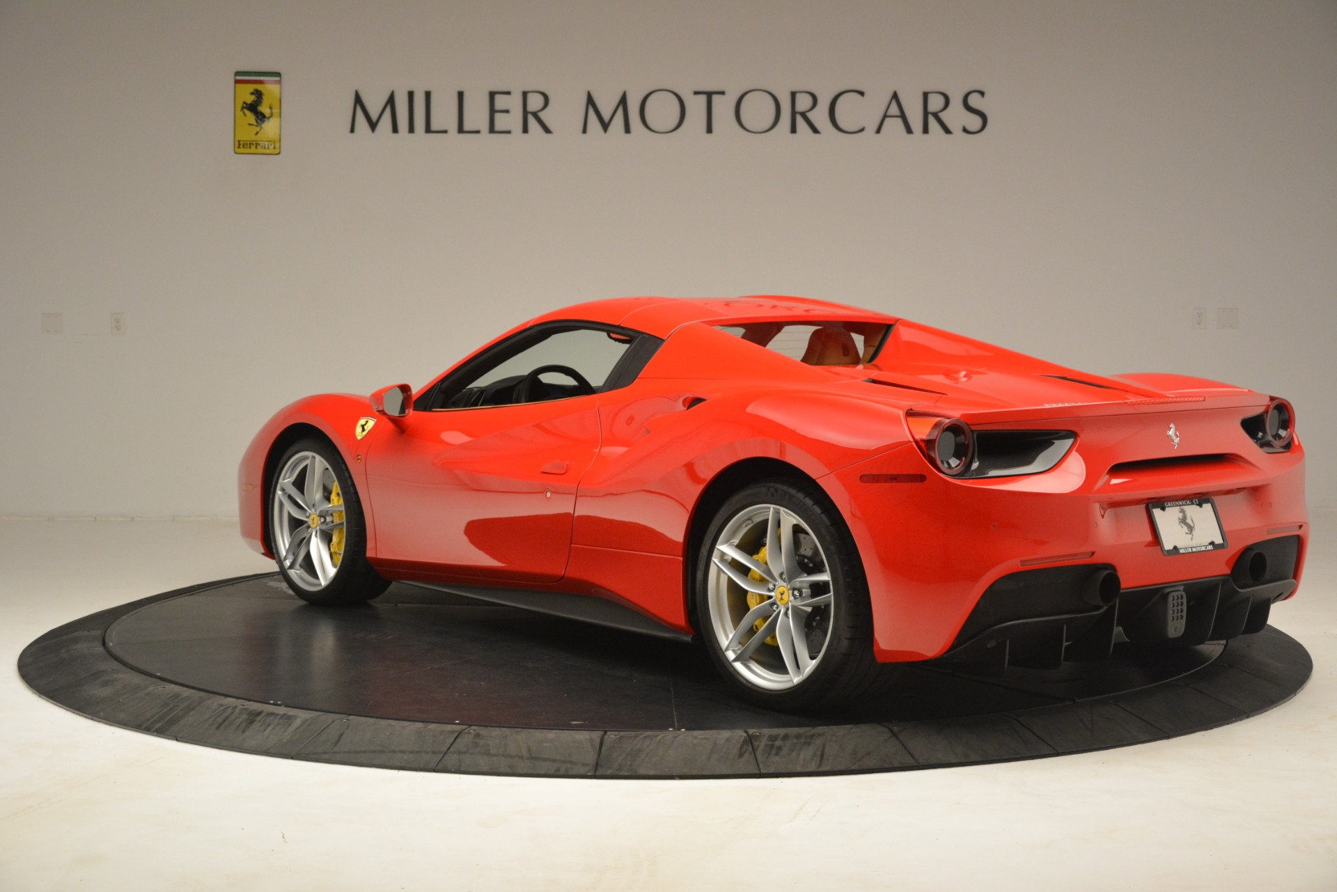 Used 2018 Ferrari 488 Spider  For Sale In Westport, CT 3234_p15