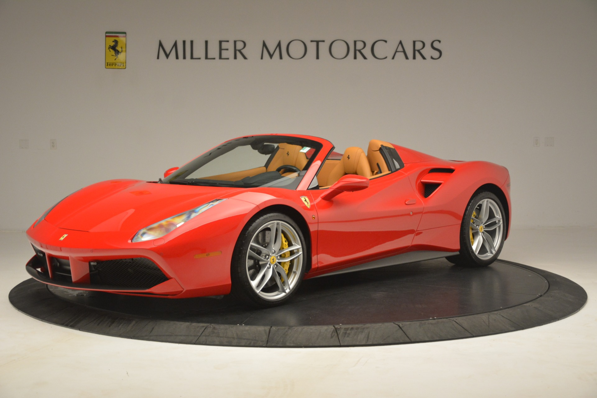 Used 2018 Ferrari 488 Spider  For Sale In Westport, CT 3234_p2