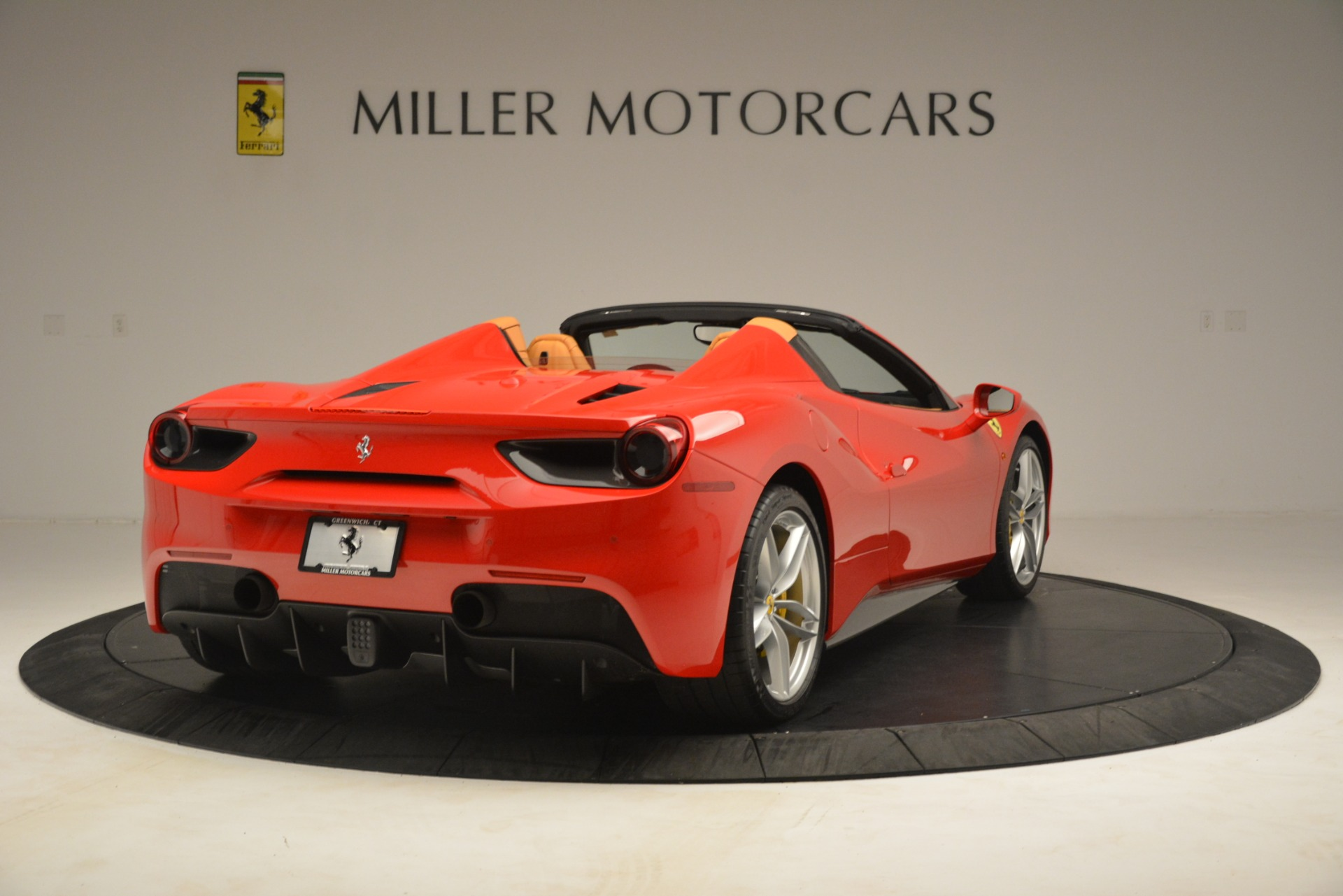 Used 2018 Ferrari 488 Spider  For Sale In Westport, CT 3234_p7