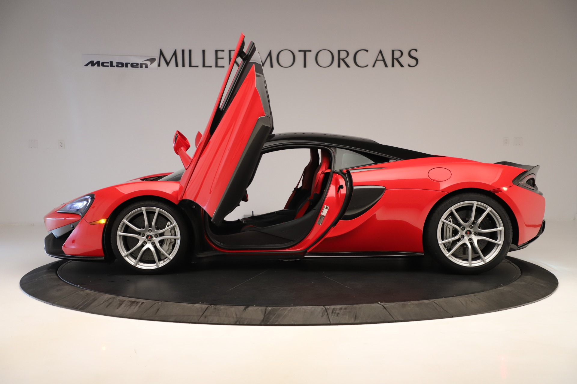 Used 2016 McLaren 570S Coupe For Sale In Westport, CT 3235_p11