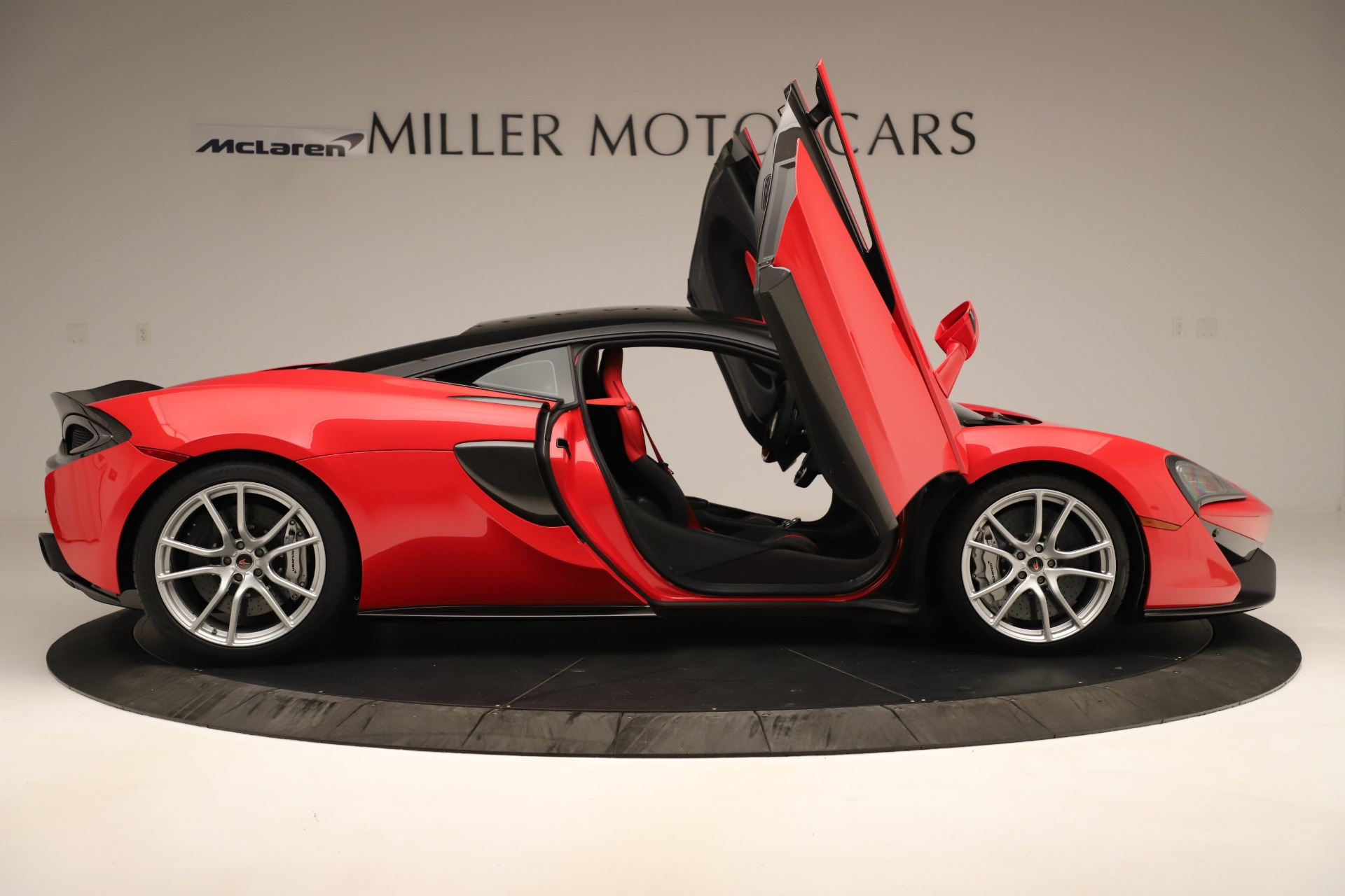 Used 2016 McLaren 570S Coupe For Sale In Westport, CT 3235_p15