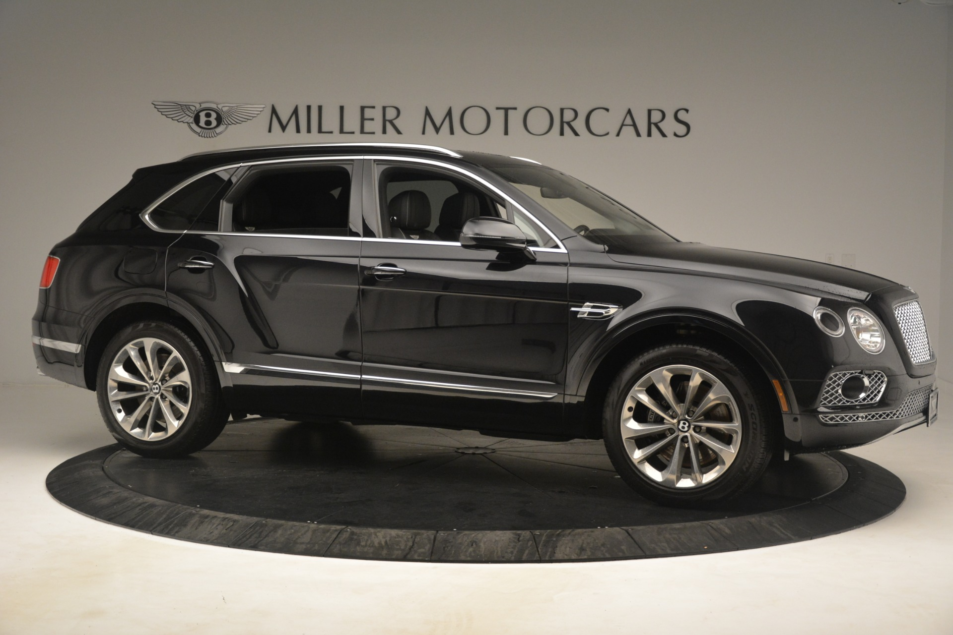 Used 2017 Bentley Bentayga W12 For Sale In Westport, CT 3239_p10