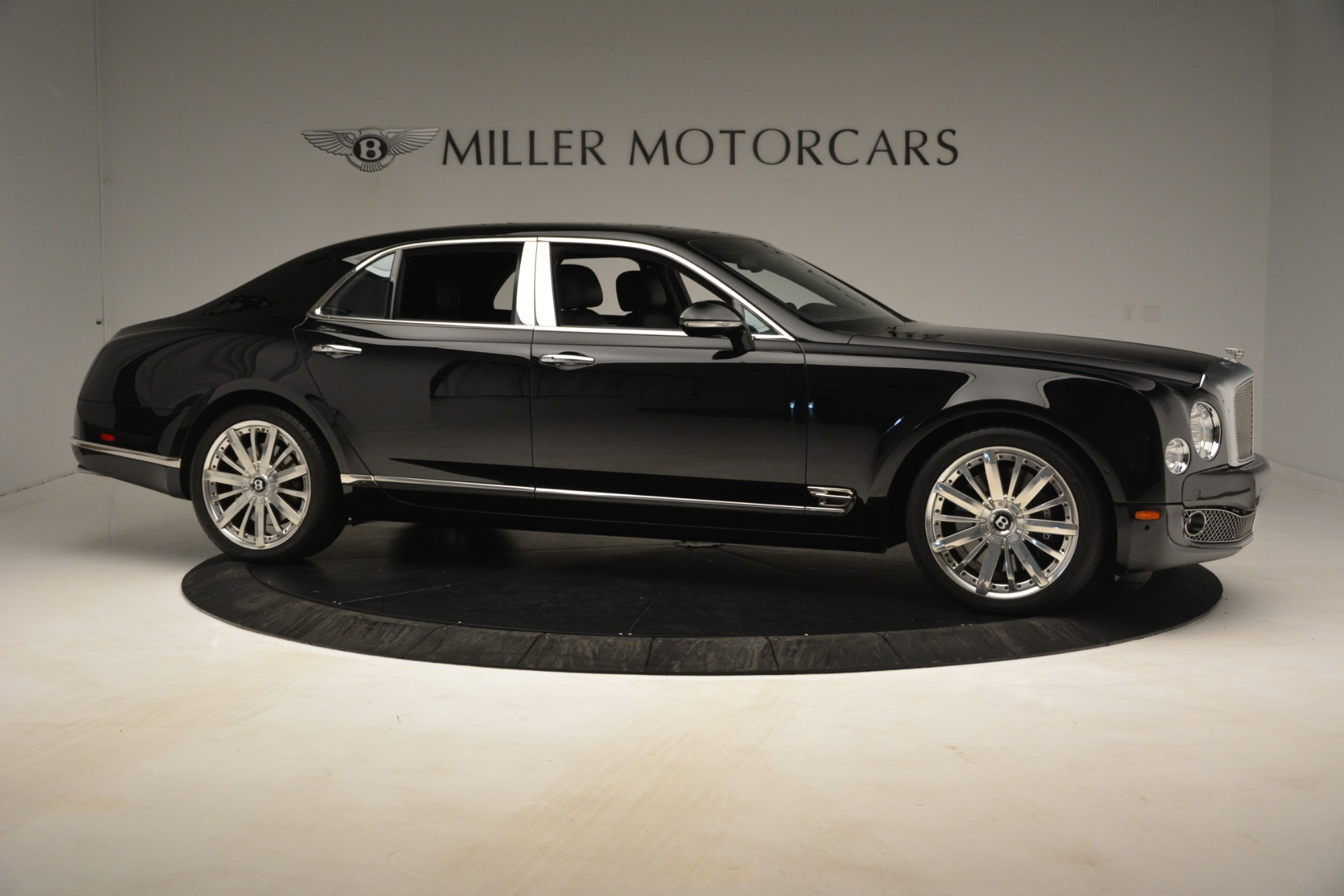 Used 2016 Bentley Mulsanne  For Sale In Westport, CT 3240_p10