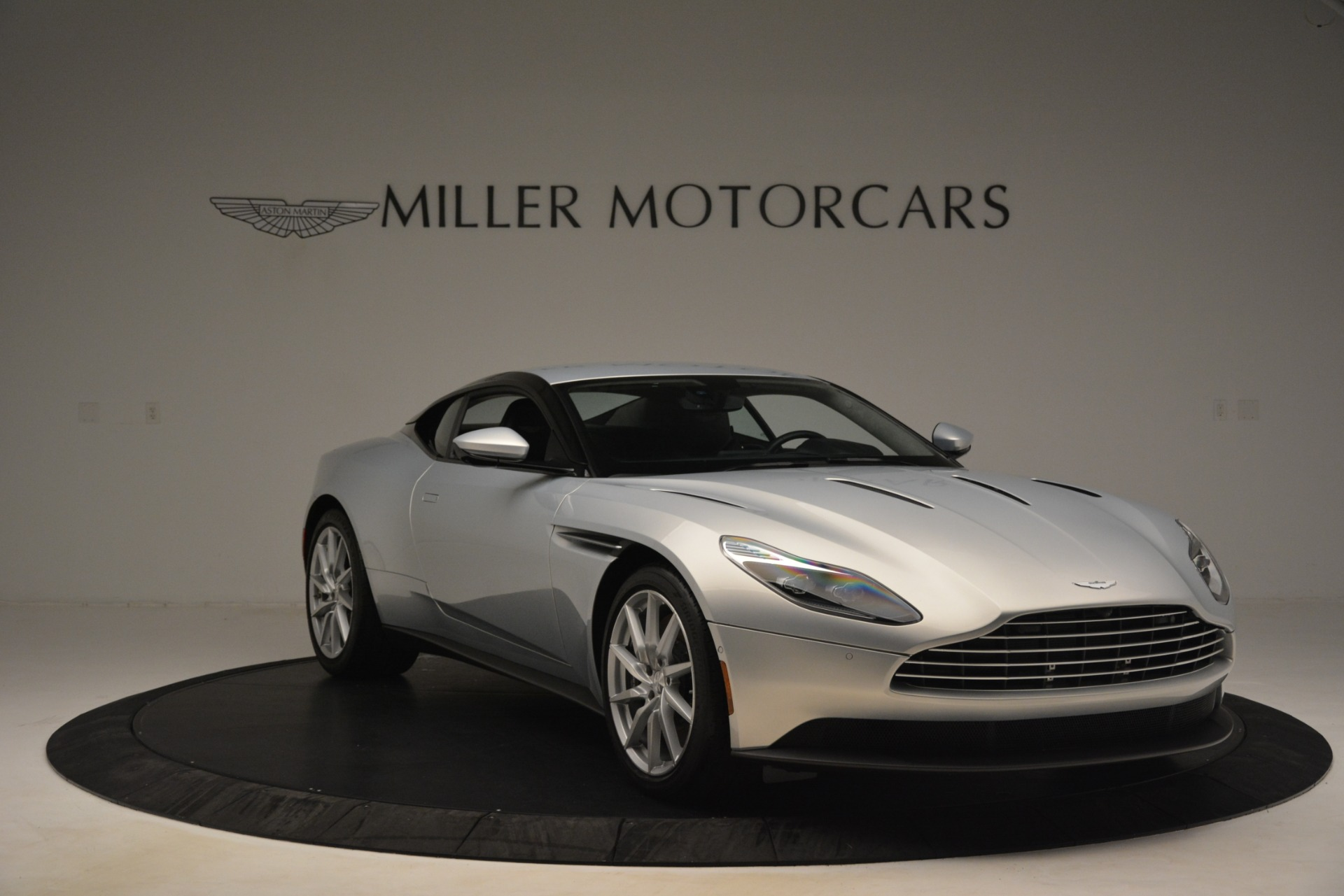 Used 2018 Aston Martin DB11 V12 Coupe For Sale In Westport, CT 3264_p10