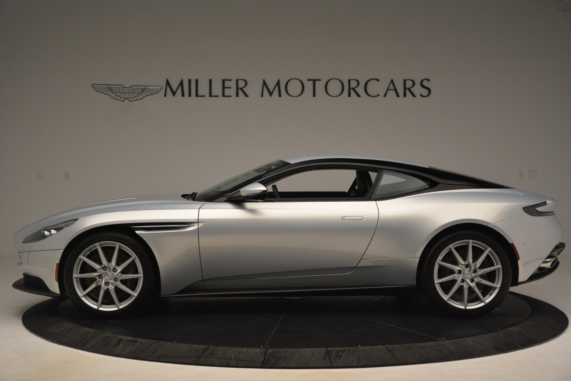 Used 2018 Aston Martin DB11 V12 Coupe For Sale In Westport, CT 3264_p2