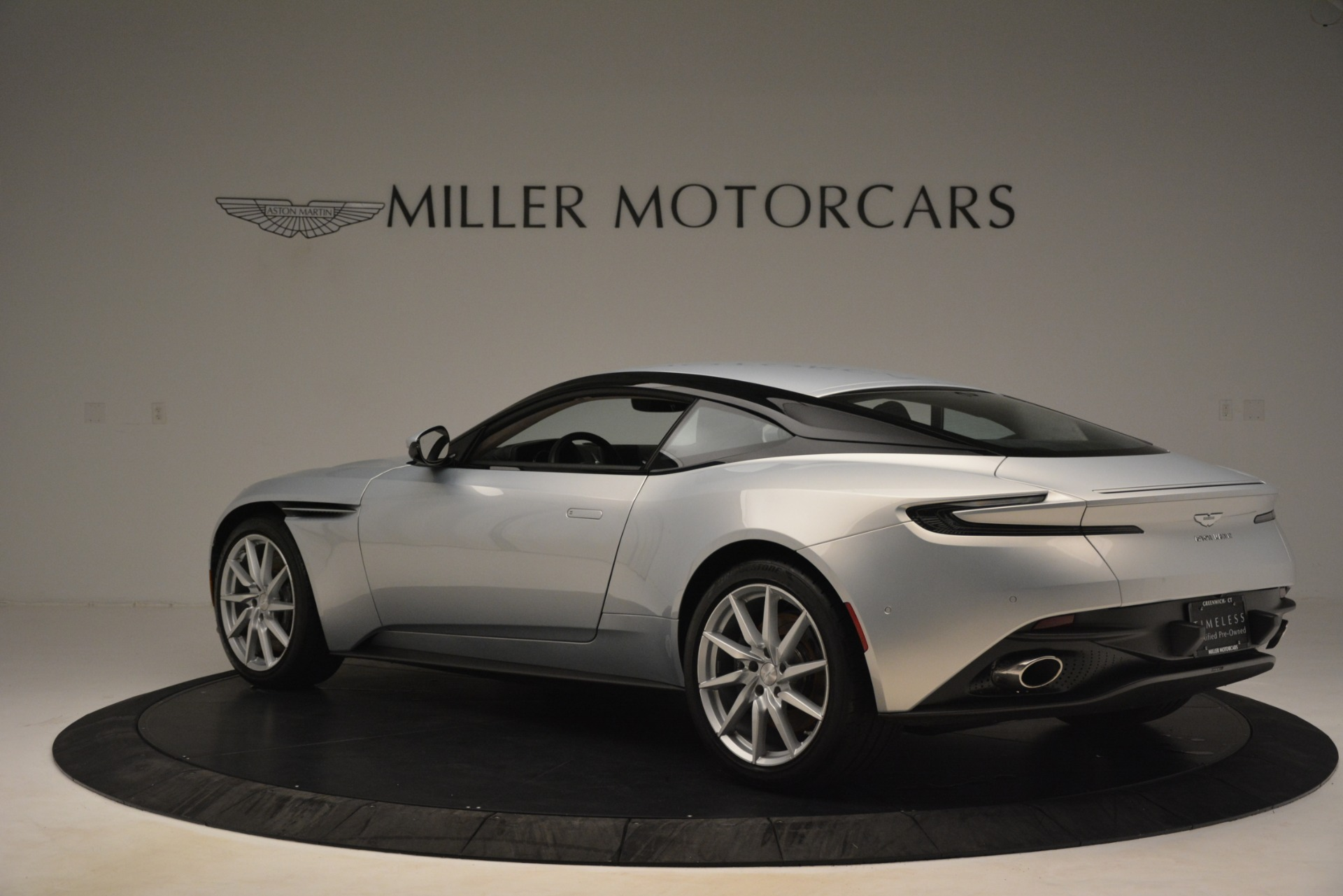 Used 2018 Aston Martin DB11 V12 Coupe For Sale In Westport, CT 3264_p3