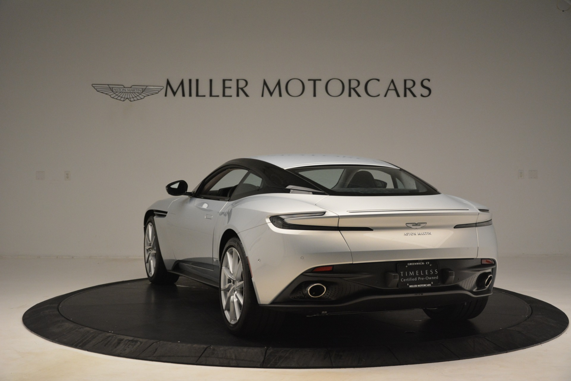 Used 2018 Aston Martin DB11 V12 Coupe For Sale In Westport, CT 3264_p4