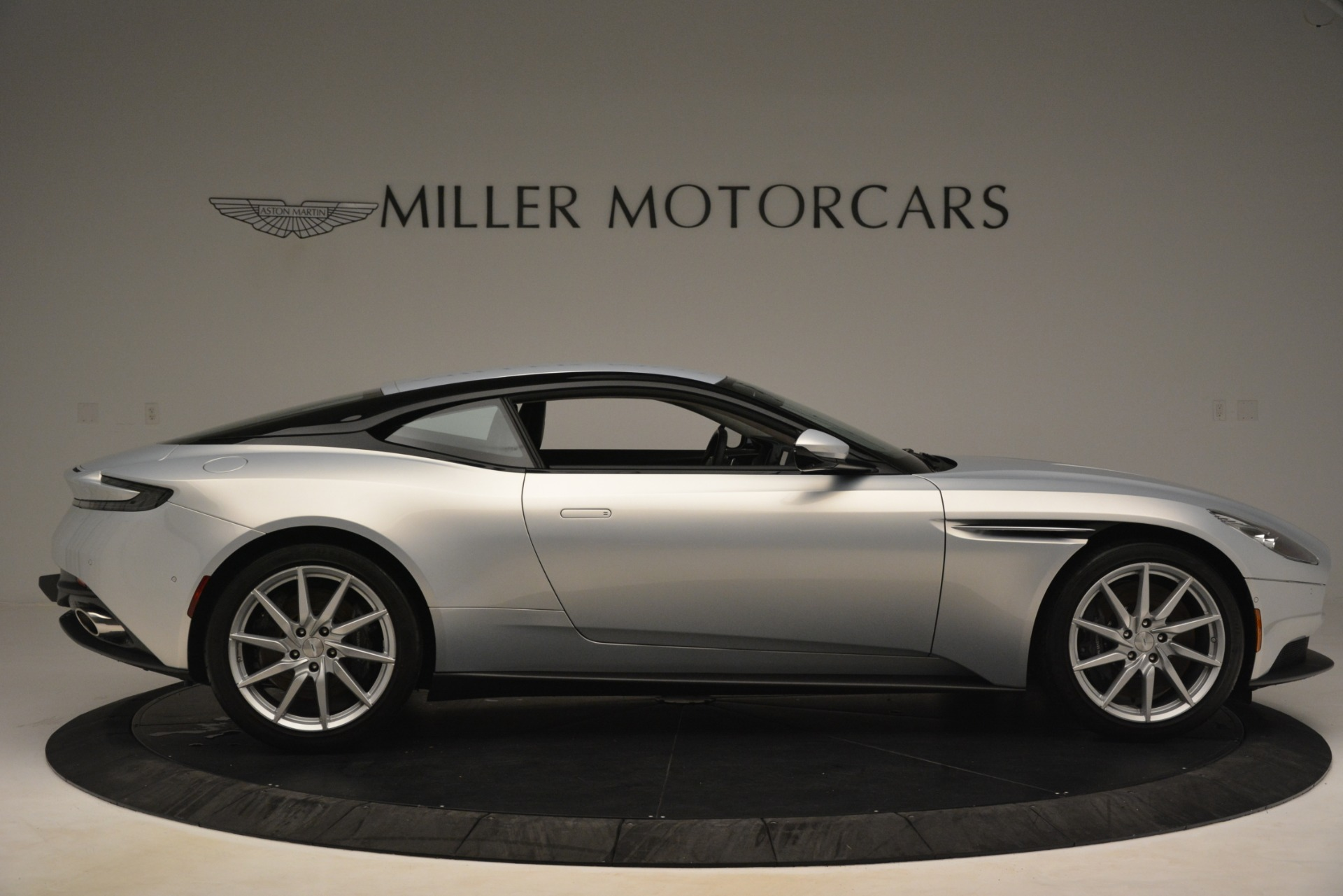 Used 2018 Aston Martin DB11 V12 Coupe For Sale In Westport, CT 3264_p8