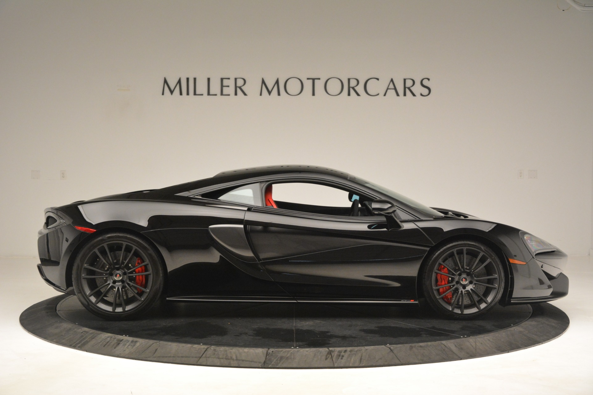 Used 2016 McLaren 570S Coupe For Sale In Westport, CT 3268_p8