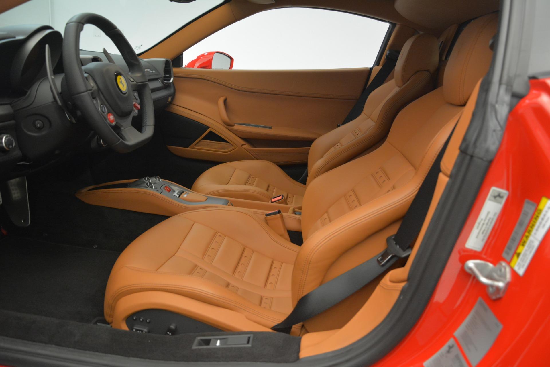 Used 2014 Ferrari 458 Italia  For Sale In Westport, CT 3271_p14