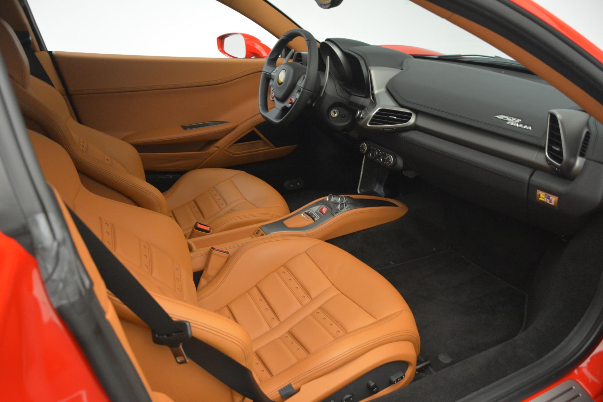 Used 2014 Ferrari 458 Italia  For Sale In Westport, CT 3271_p17