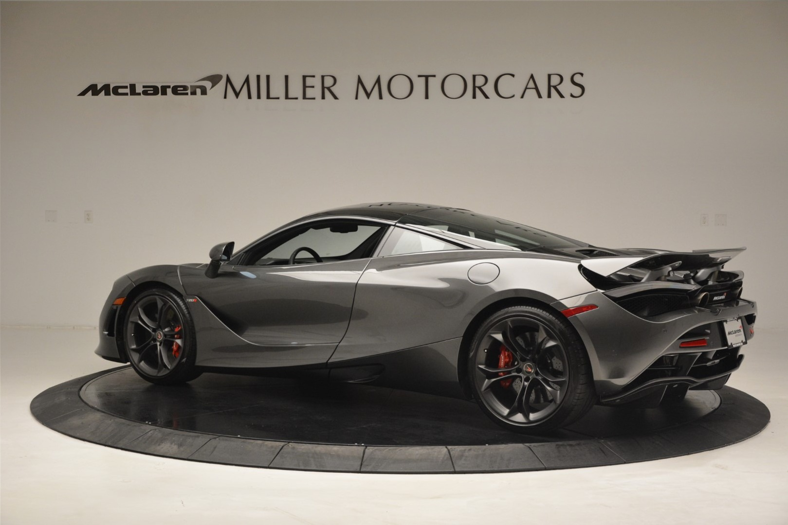 Used 2018 McLaren 720S Coupe For Sale In Westport, CT 3287_p3