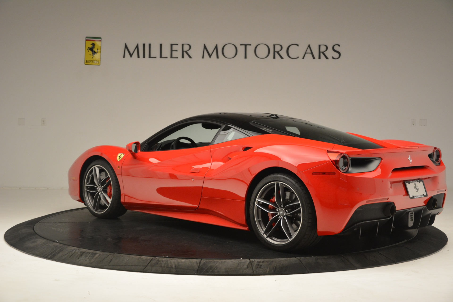 Used 2018 Ferrari 488 GTB  For Sale In Westport, CT 3288_p4