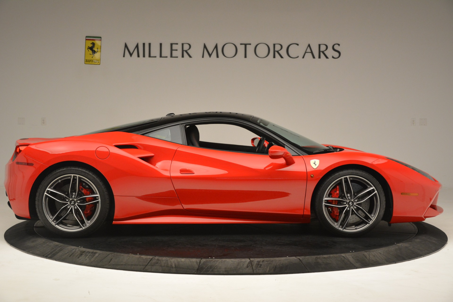 Used 2018 Ferrari 488 GTB  For Sale In Westport, CT 3288_p9