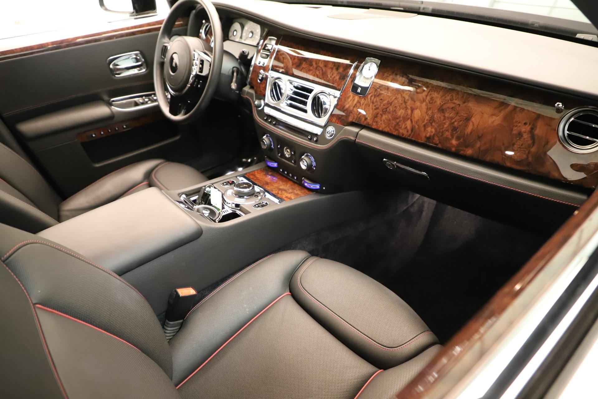 Used 2016 Rolls-Royce Ghost  For Sale In Westport, CT 3298_p16