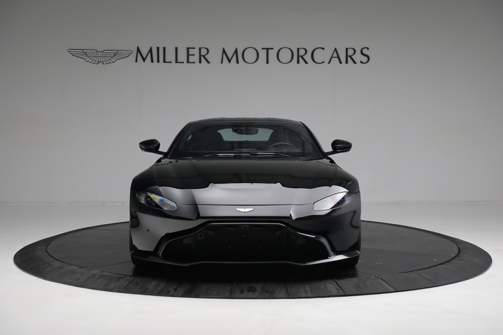 New 2019 Aston Martin Vantage V8 For Sale In Westport, CT 3307_p10