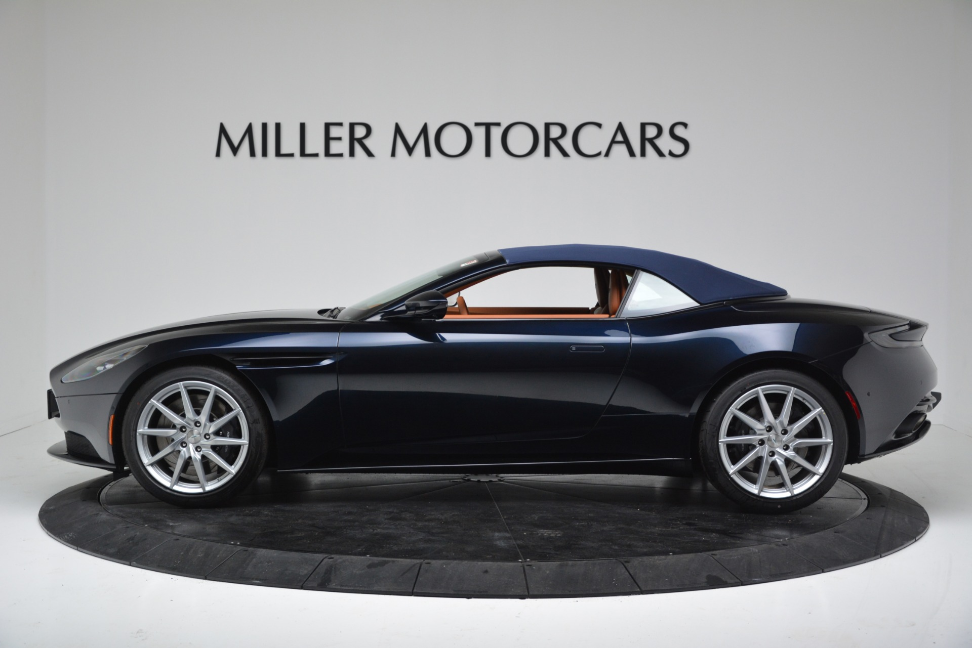 New 2019 Aston Martin DB11 V8 For Sale In Westport, CT 3308_p14