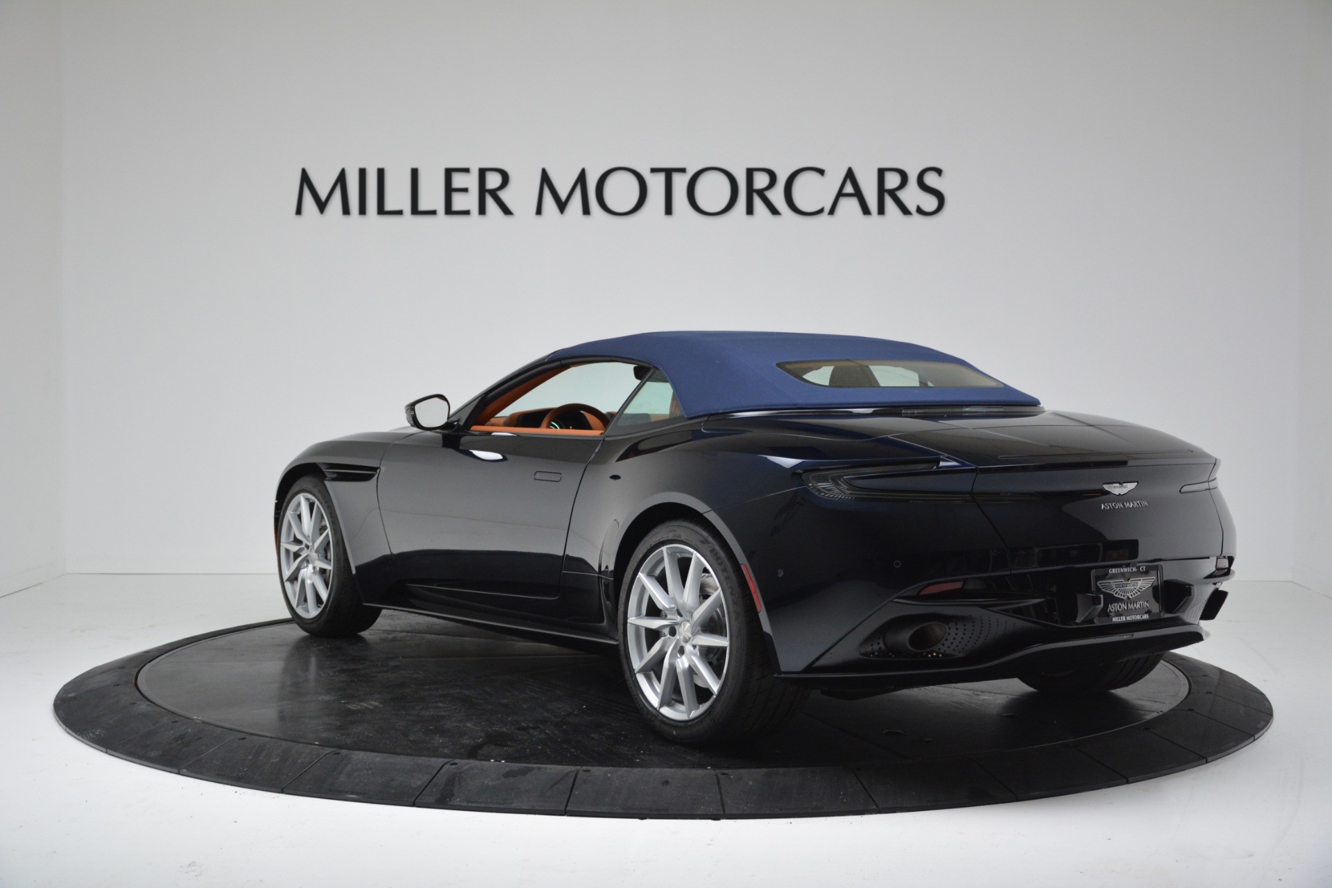 New 2019 Aston Martin DB11 V8 For Sale In Westport, CT 3308_p15
