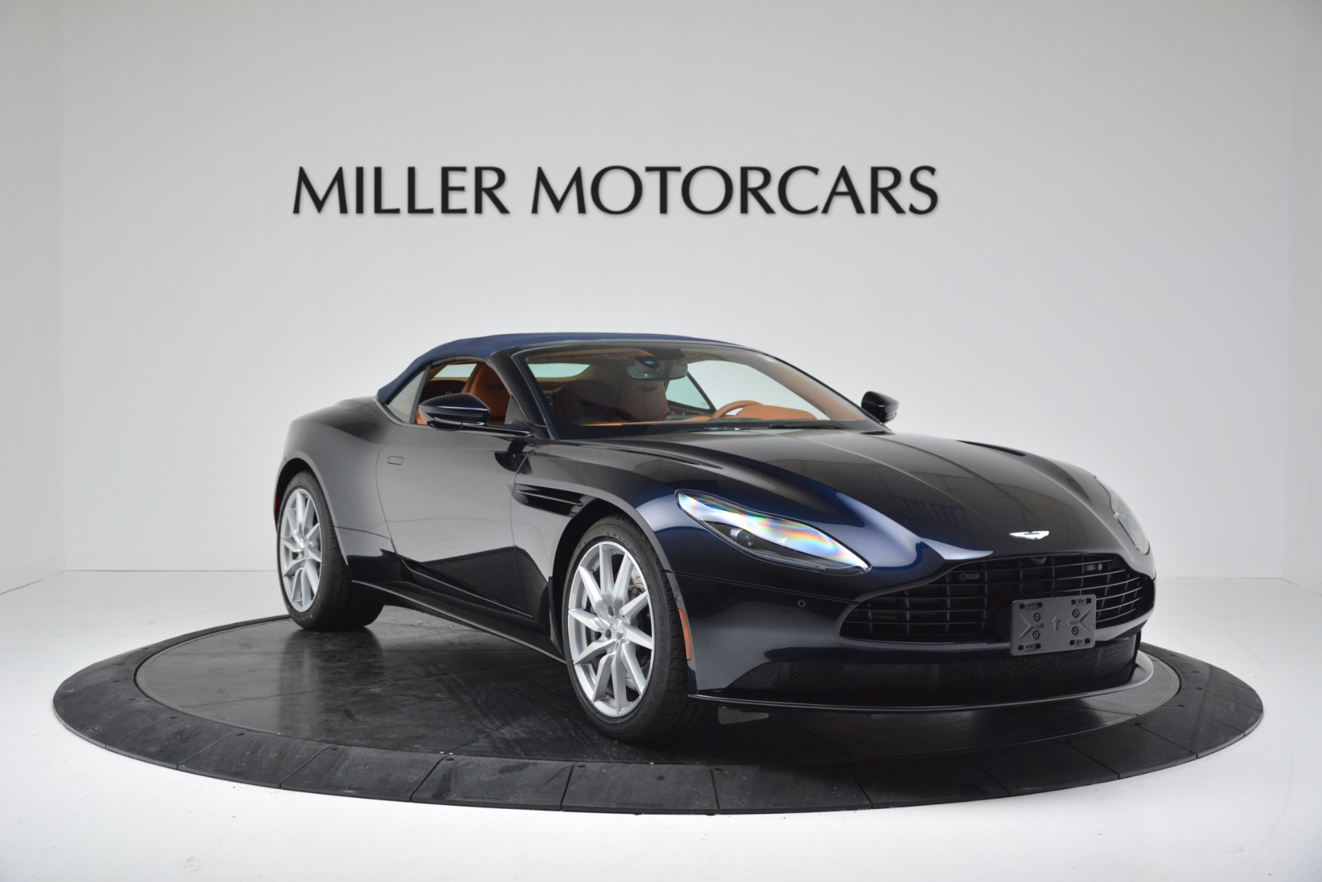 New 2019 Aston Martin DB11 V8 For Sale In Westport, CT 3308_p18
