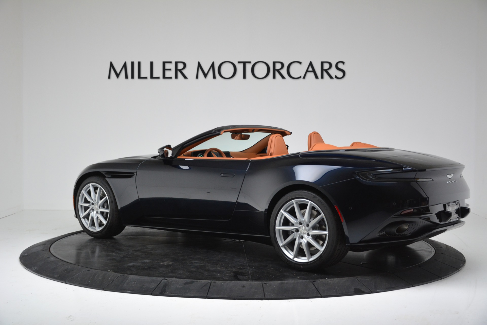 New 2019 Aston Martin DB11 V8 For Sale In Westport, CT 3308_p4