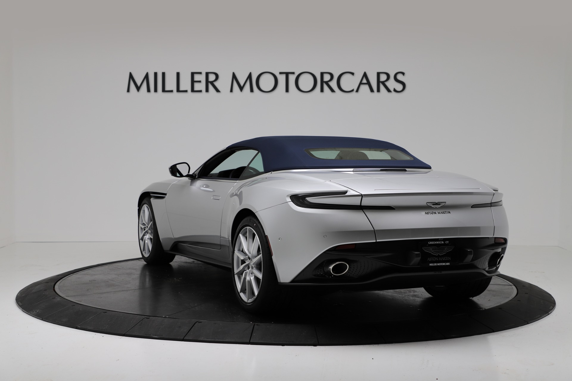 New 2019 Aston Martin DB11 V8 For Sale In Westport, CT 3316_p15