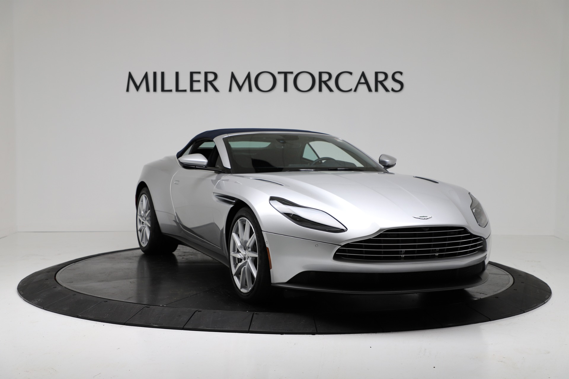 New 2019 Aston Martin DB11 V8 For Sale In Westport, CT 3316_p18