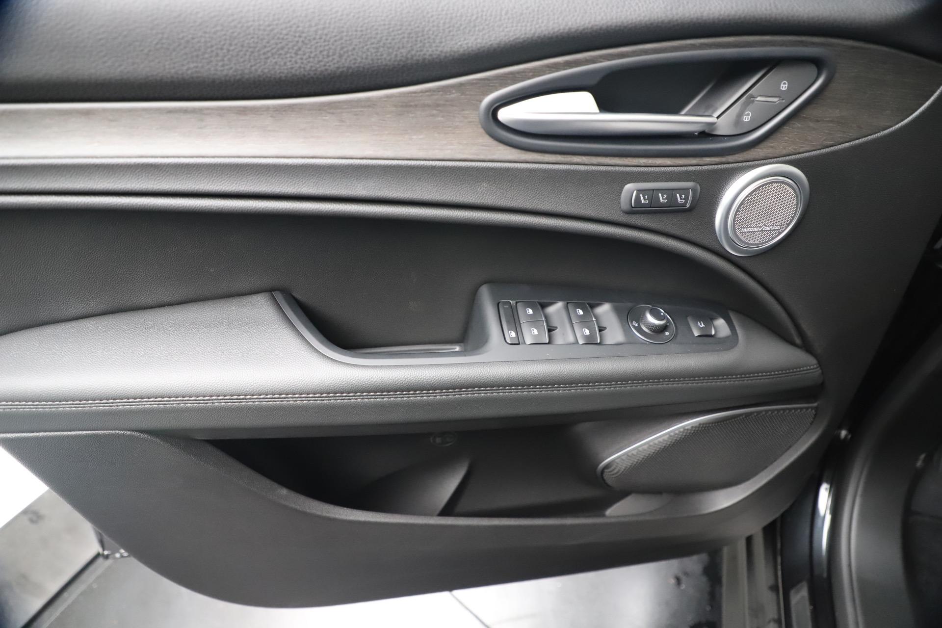 New 2019 Alfa Romeo Stelvio Ti Q4 For Sale In Westport, CT 3330_p17